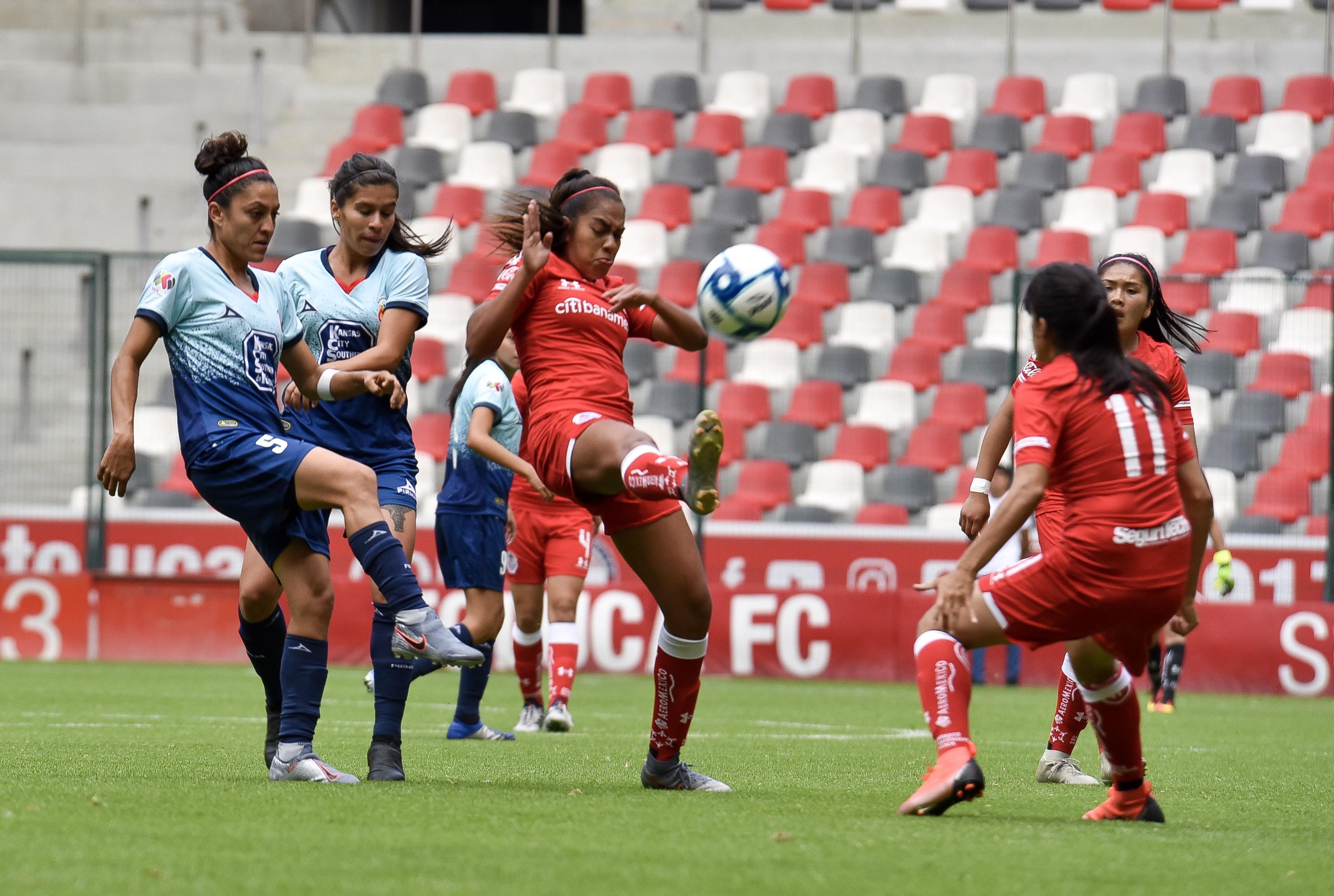 Toluca, Estado de México, 22 de julio 2019, las Diablitas del Toluca lograron imponerse ante la escuadra de Monarcas de Morelia de la liga Femenil MX con un marcador final 4-2 (Foto: Cuartoscuro)