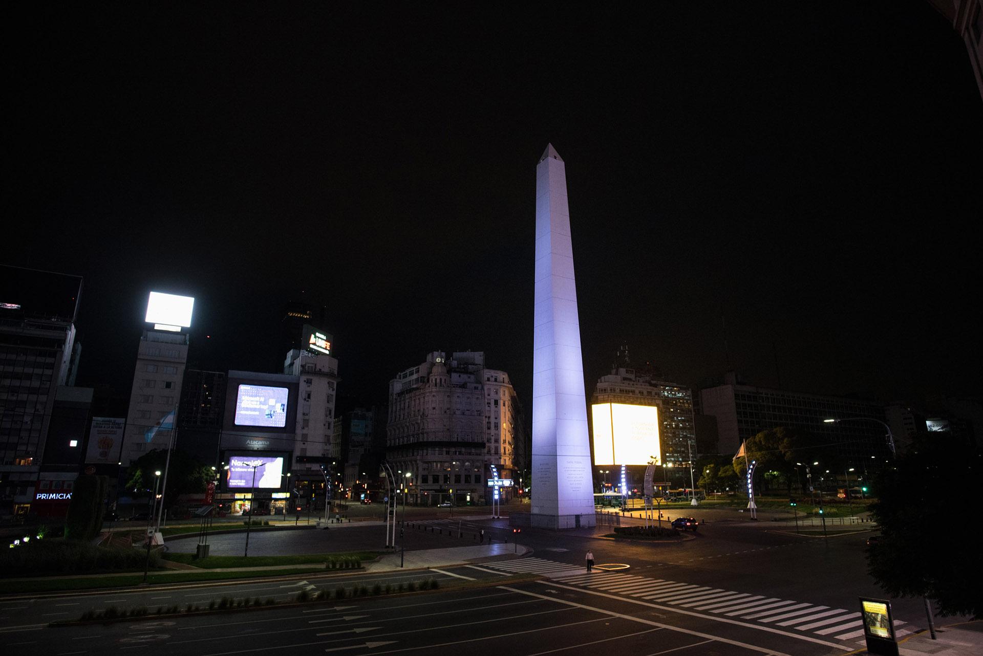 El Obelisco, sobre la Avenida 9 de Julio