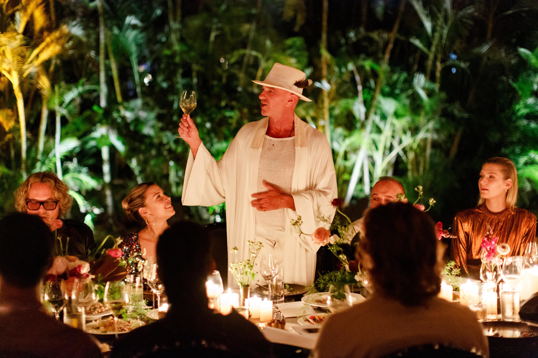 Alan Faena durante la fabulosa cena que se llevó a cabo en el Faena Hotel Miami Beach, en el marco de la segunda edición del Faena Festival: The Last Supper