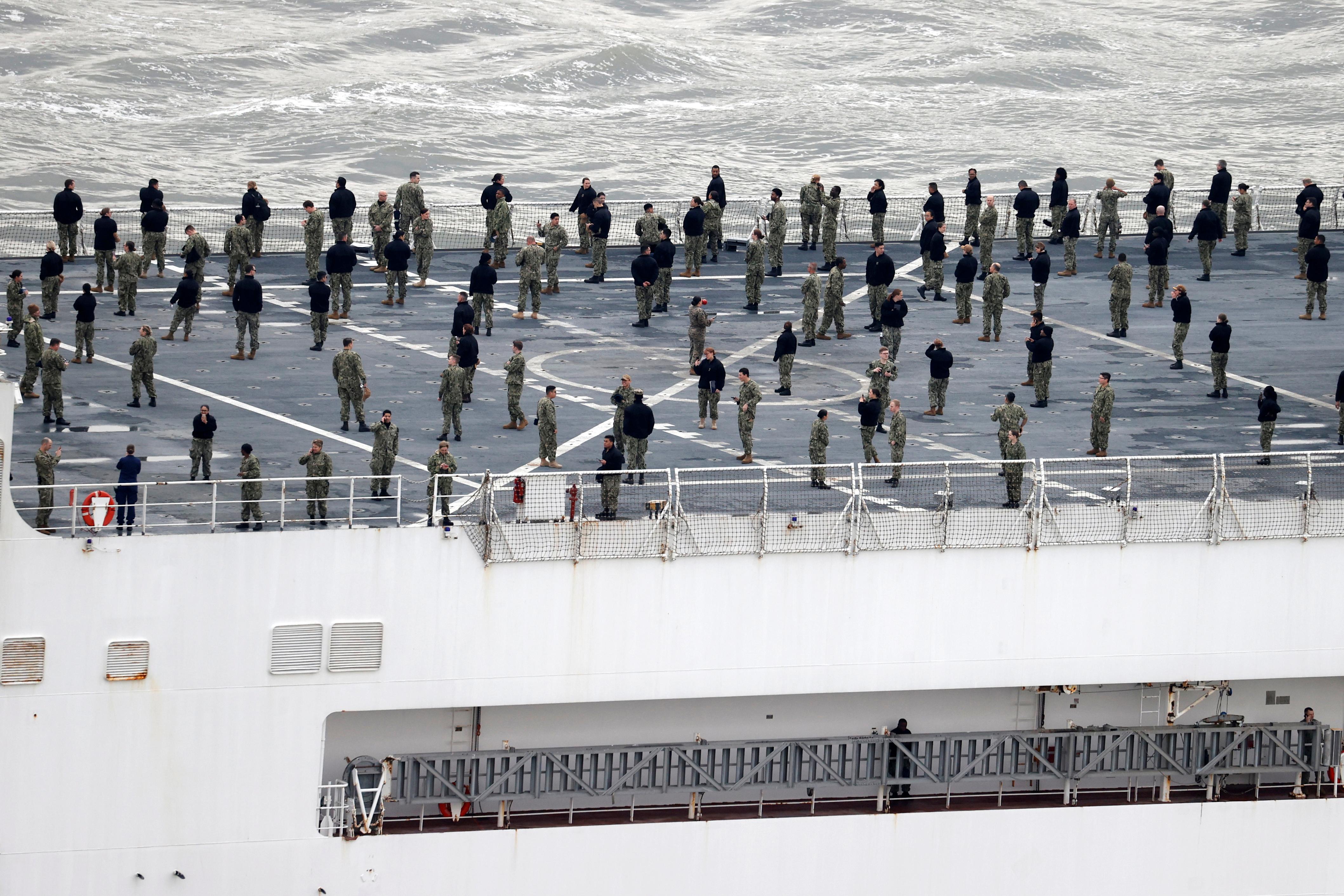 Parte de la tripulación de la nave. (fotos: Reuters, AFP, AP)
