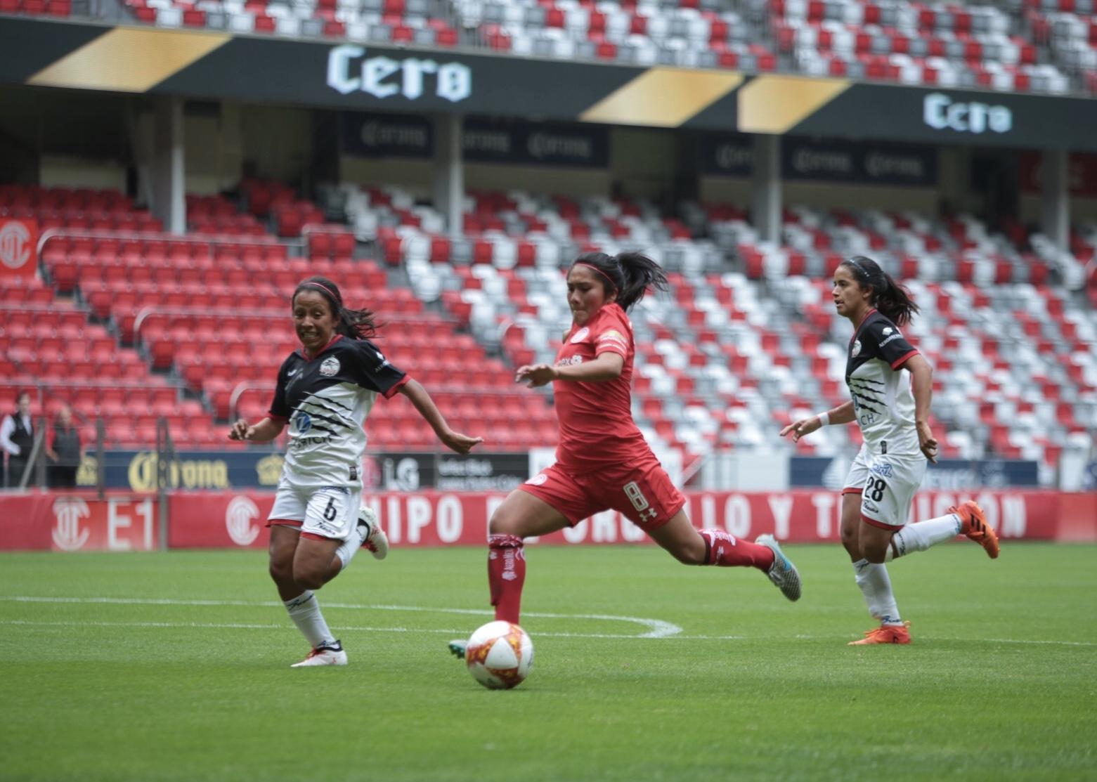Toluca Estado de México, 16 de julio 2018, Las Diablas Rojas del Toluca se enfrentaron al Club Lobos BUAP en el partido correspondiente a la jornada 1 de la Liga MX Femenil Apertura 2018, logrando la victoria el equipo escarlata con un marcador 4-0 (Foto: Cuartoscuro)