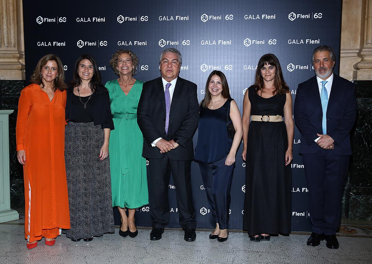 Entre los asistentes se encontraban integrantes de la Fundación Pérez Companc: En la foto, Celeste Benítez, Mercedes Fonseca, Paula Di Tella, Gustavo Sevlever, Milagros Landaburu y Sol Pizarro Posse