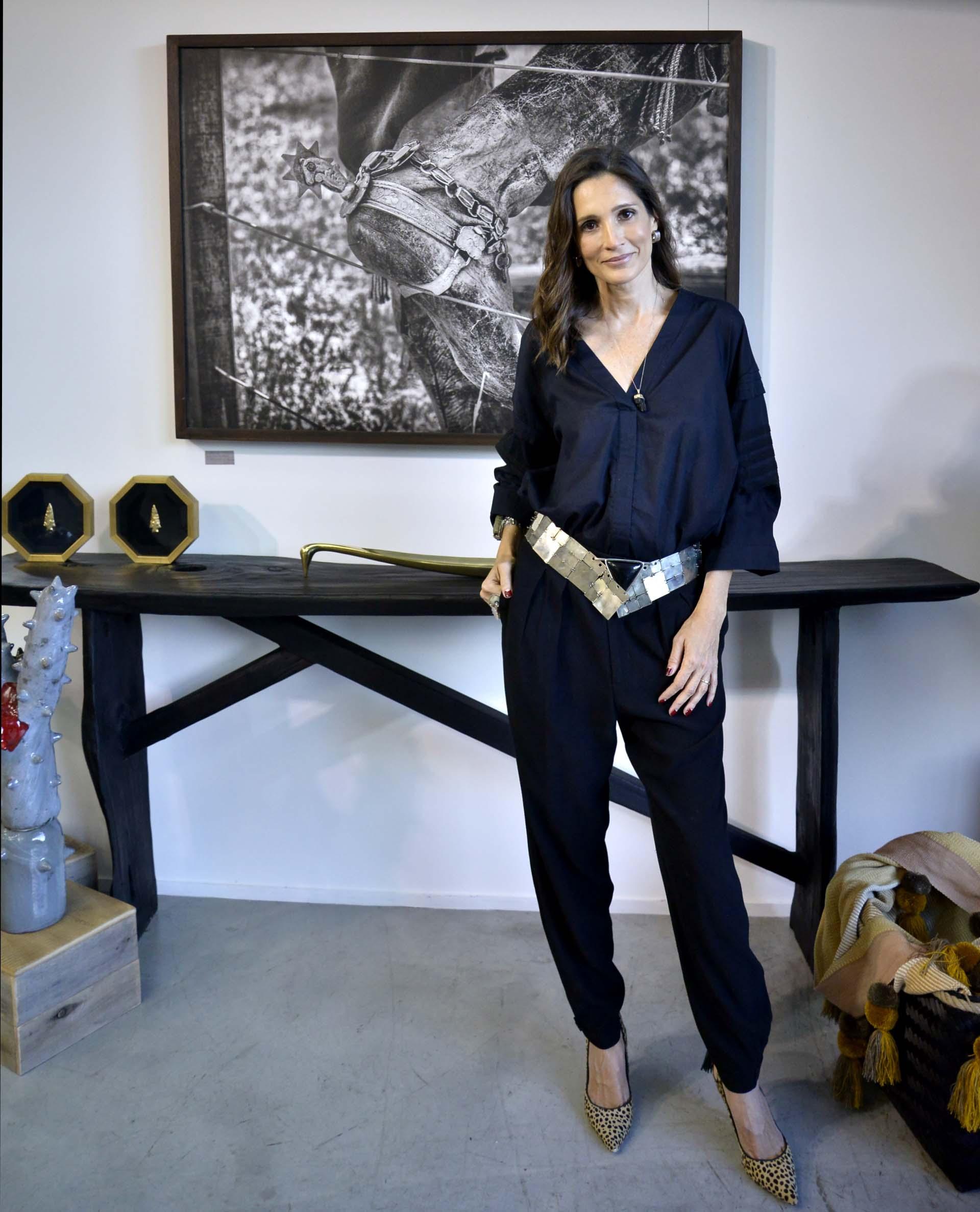 Dueña de una gran carrera internacional como modelo, dejó atrás las pasarelas en las que desfiló para los diseñadores más importantes del mundo, y actualmente se encuentra detrás de su espacio de objetos de diseño, moda y arte argentino
