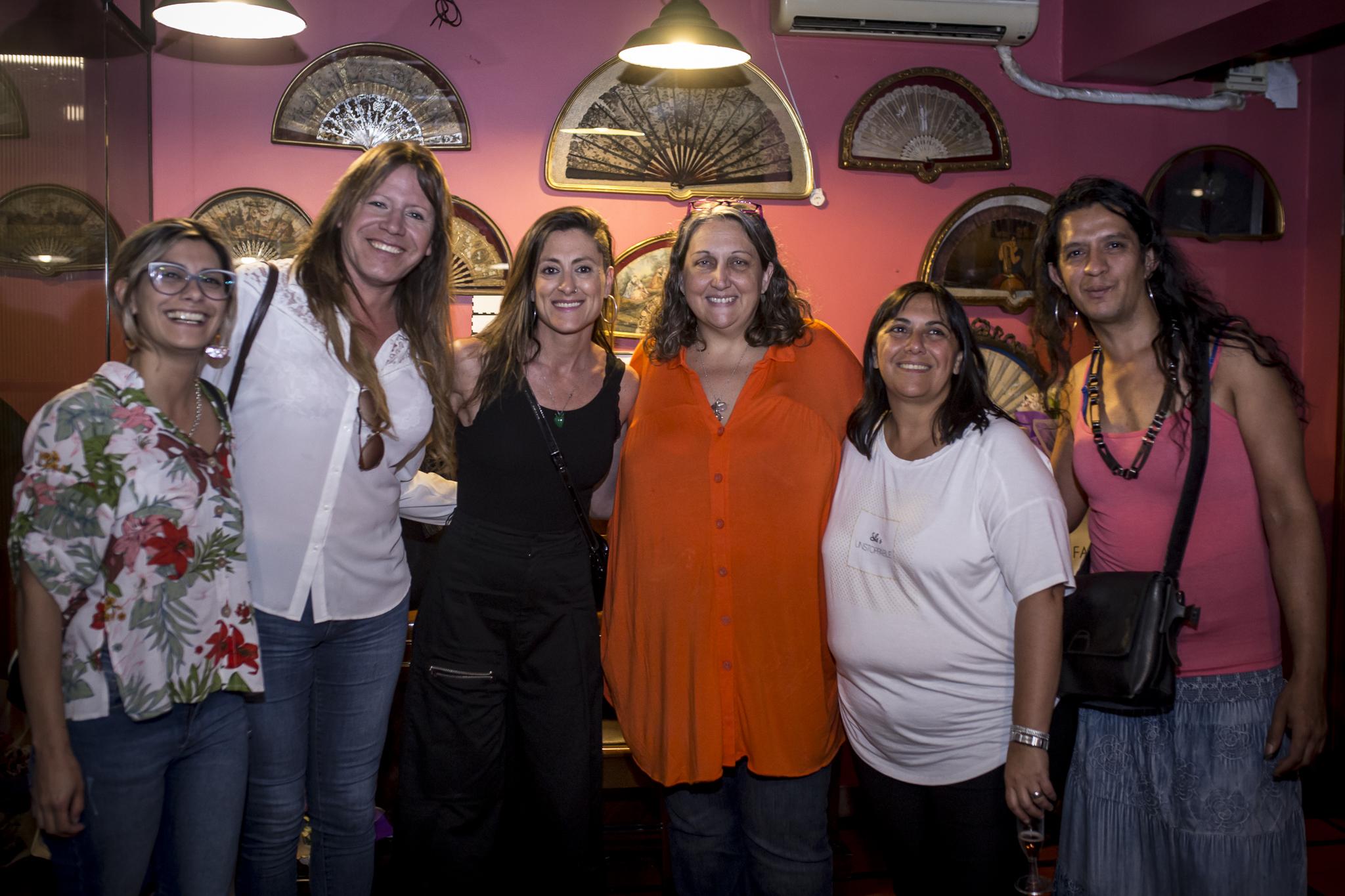 Activistas y dirigentes del movimiento feminista y LGTTTBIQ+ estuvieron presentes en Plaza Mayor
