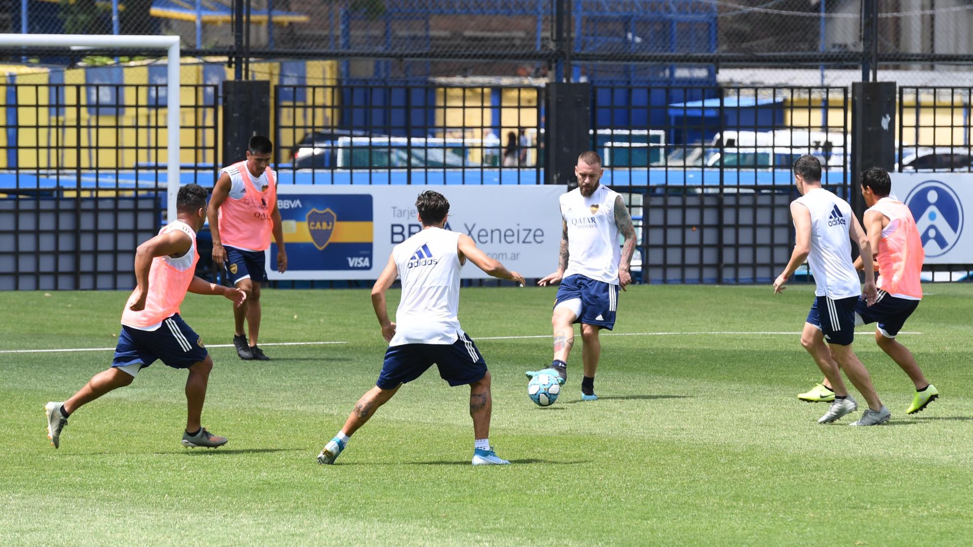 Russo convocó a 27 jugadores para el primer entrenamiento del año, el único ausente fue Jorman Campuzzano