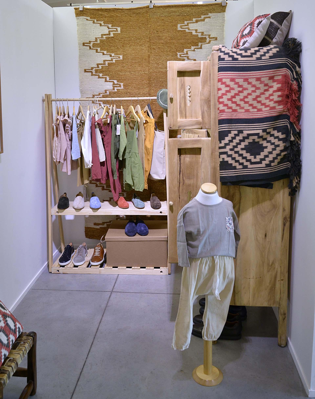 Un espacio dedicado a la moda, incluso para chicos, cuyas prendas son especialmente seleccionadas por Astrid Muñoz
