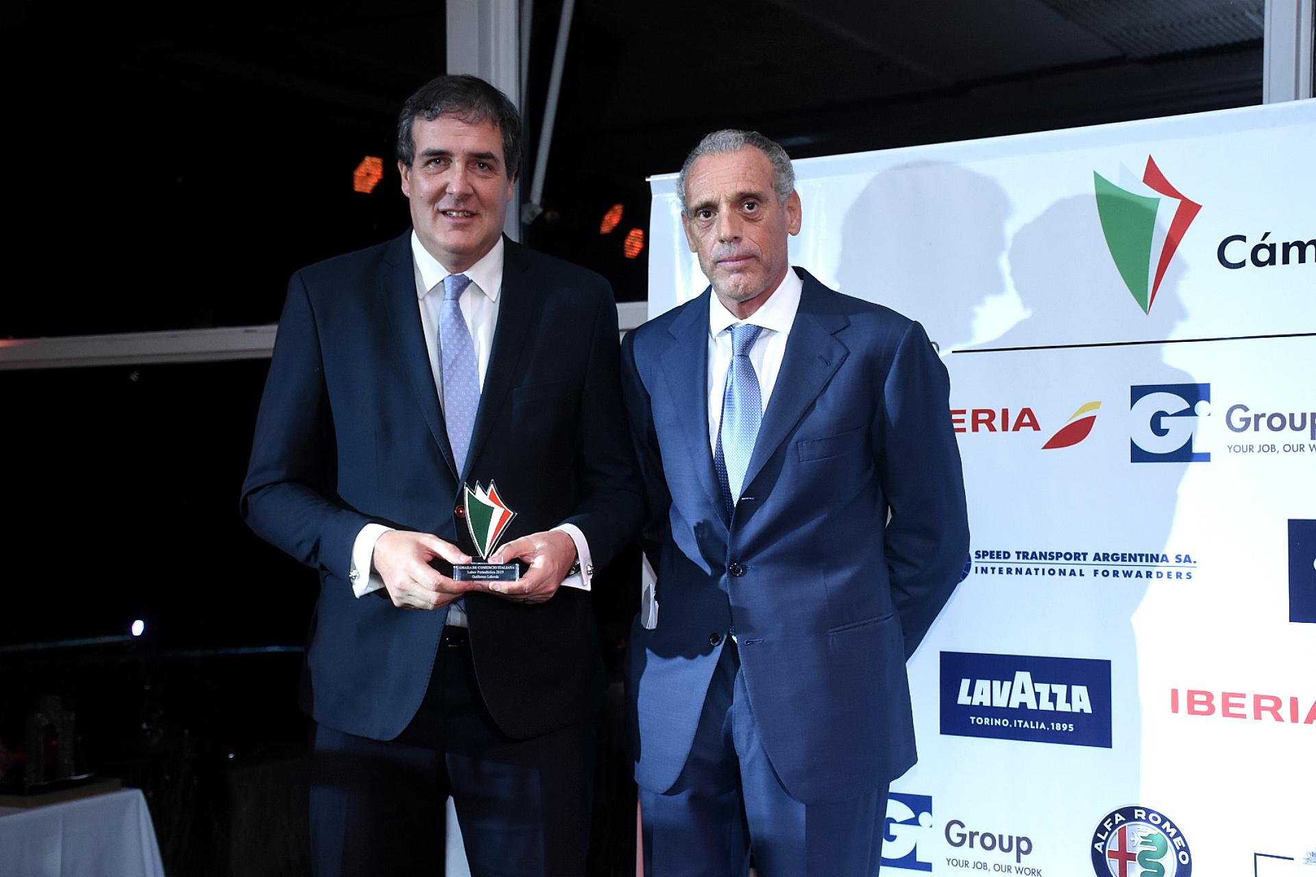 El periodista Guillermo Laborda junto a Giorgio Alliata di Montereale