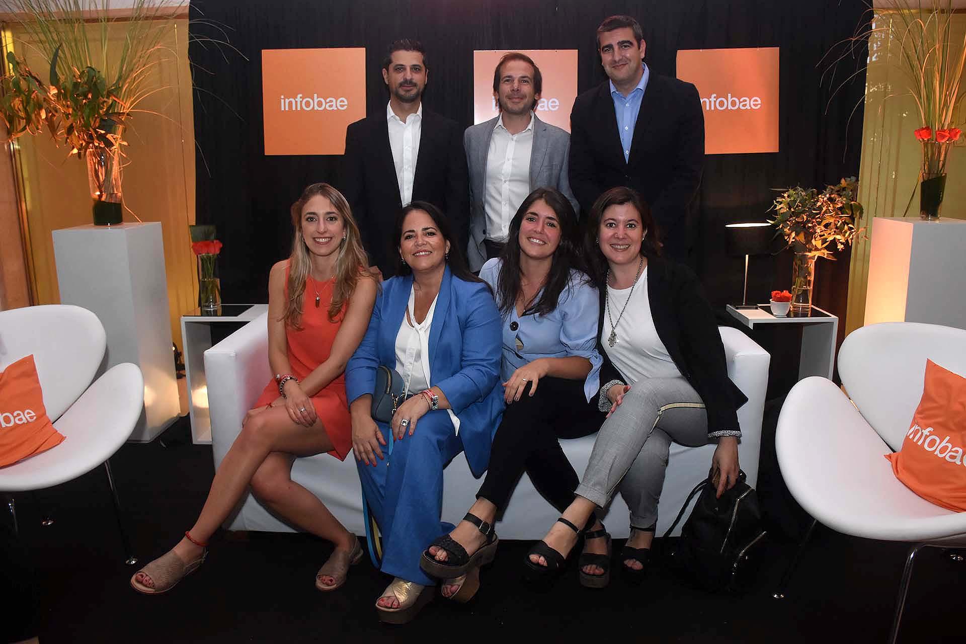 Los colaboradores de DirectTV: Martín Pozzo, director; Vanesa García Rizzo, gerente; Esteban Chillado, director; Micaela Luver, jefa de Recursos Humanos; Julieta Forciniti, FERPV; Sofía Ugalde, analista