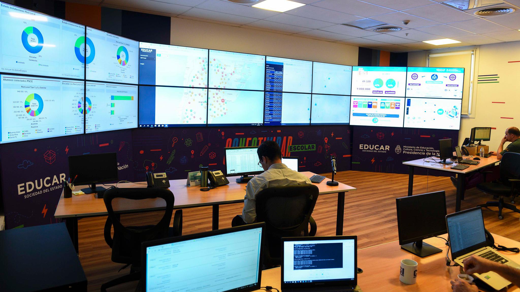 Resultado de imagen para Centro de Monitoreo de Aprender Conectados