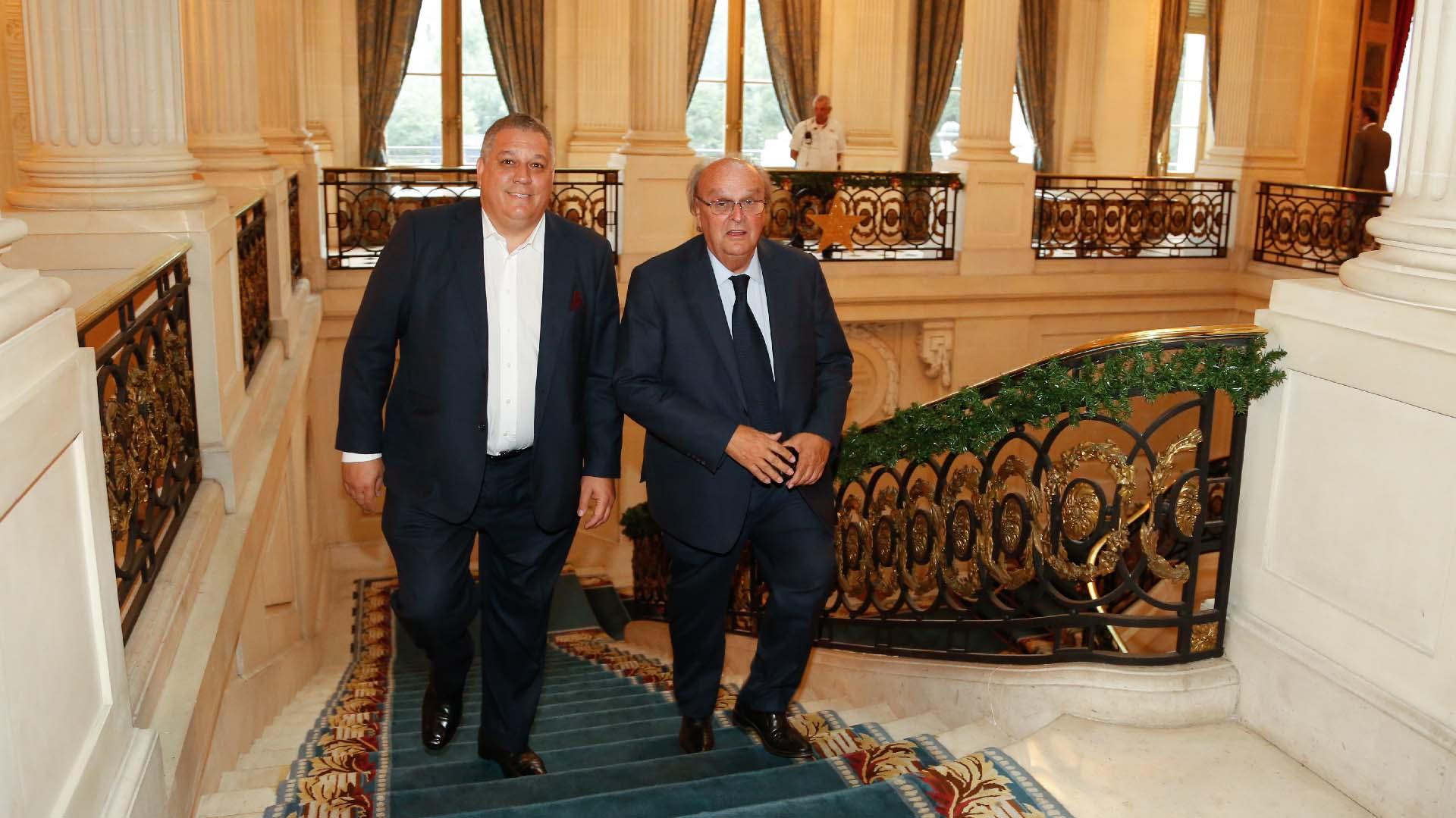 José Papo, director de Relaciones Gubernamentales de Nike, y el diputado José Ignacio De Mendiguren