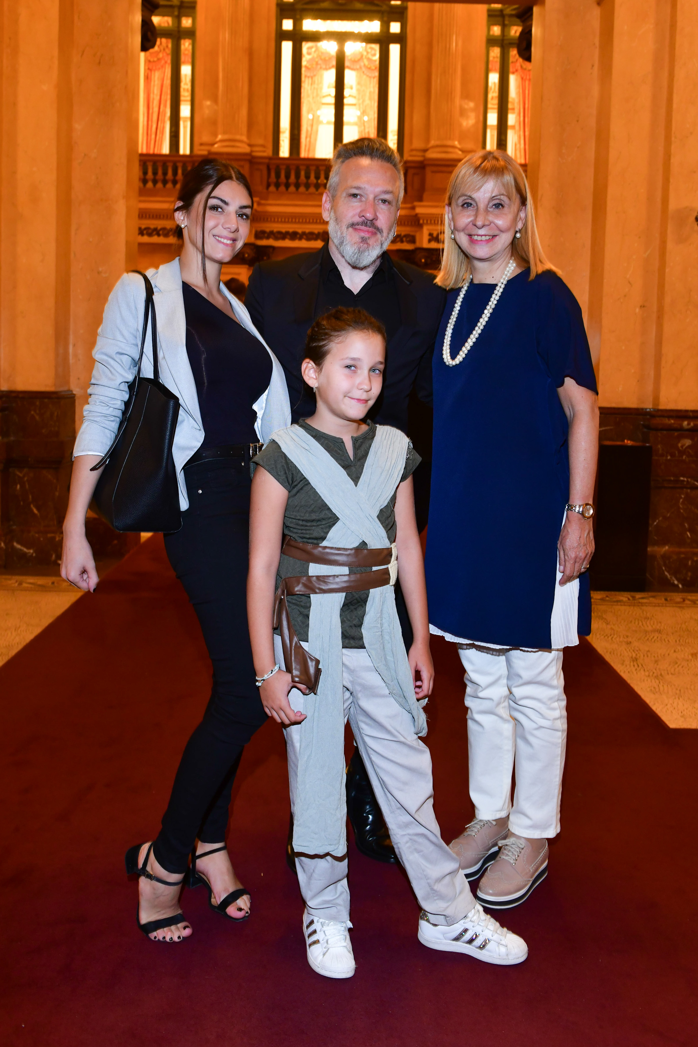Diego Kolankowsky en familia junto a María Victoria Alcaraz