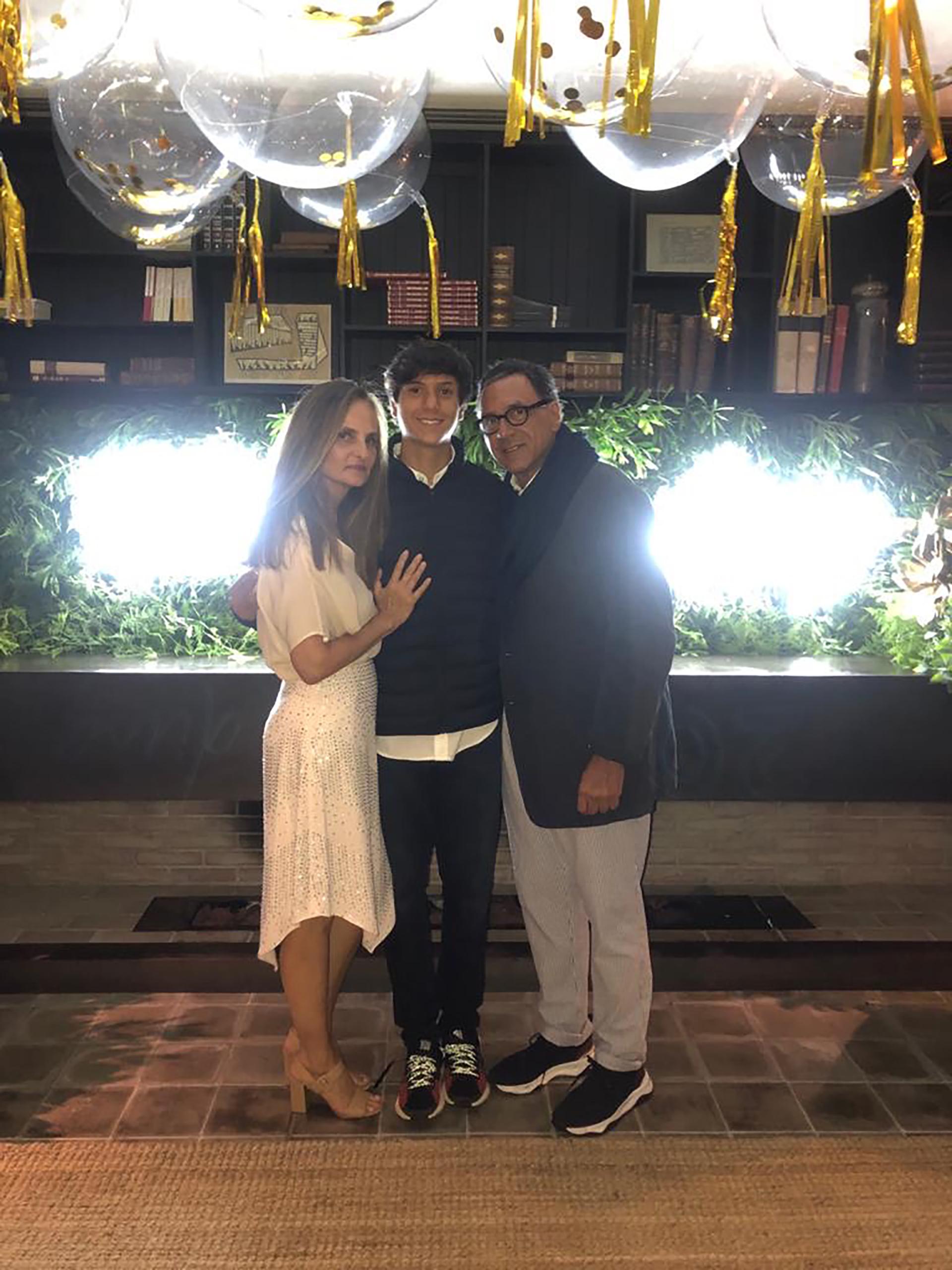 Rogelio Fasano junto a su mujer Ana y su hijo Vittorio en la gran fiesta del Hotel Fasano