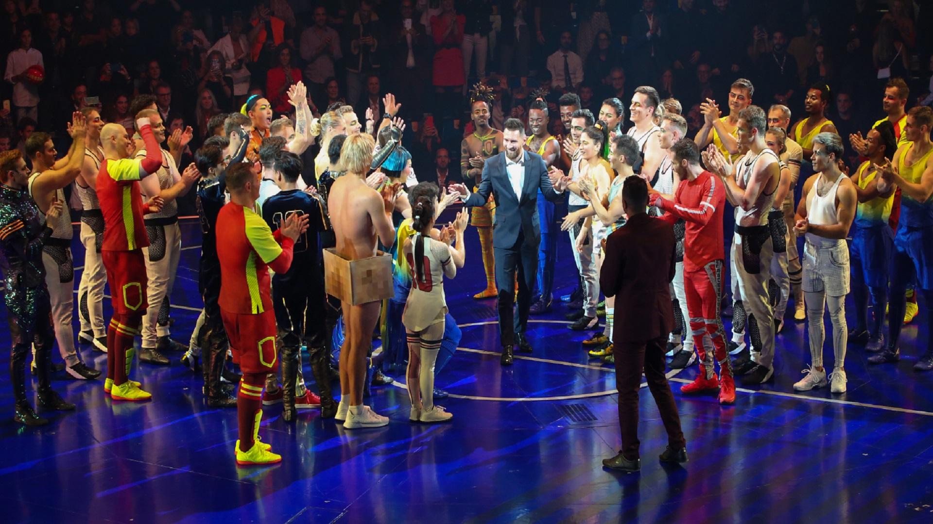 Lionel Messi subió al escenario, una vez terminada la función del Cirque Du Soleil (Foto: Nancy Martínez)