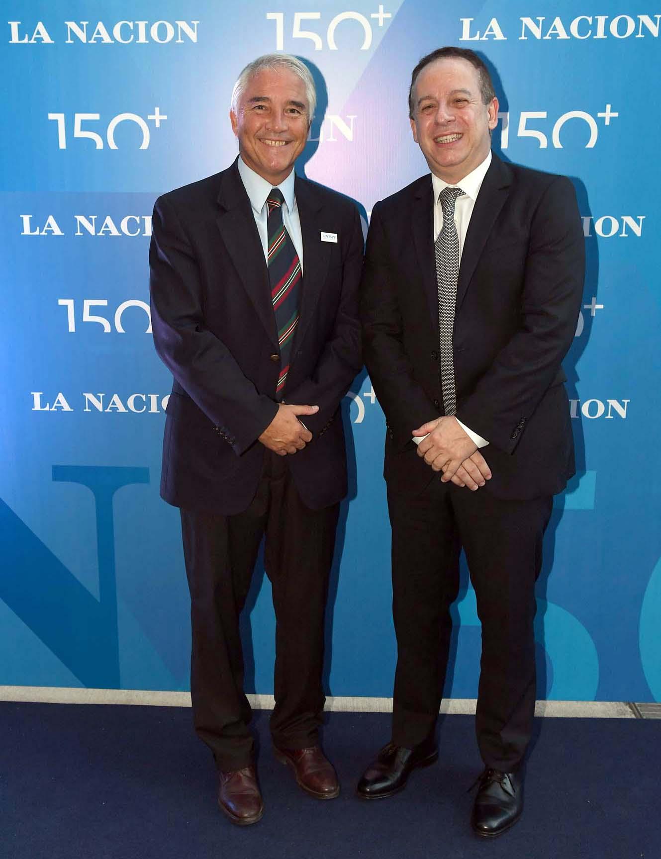 Pablo Deluca, director de Asuntos Institucionales de Infobae, y Martín Etchevers, presidente de ADEPA