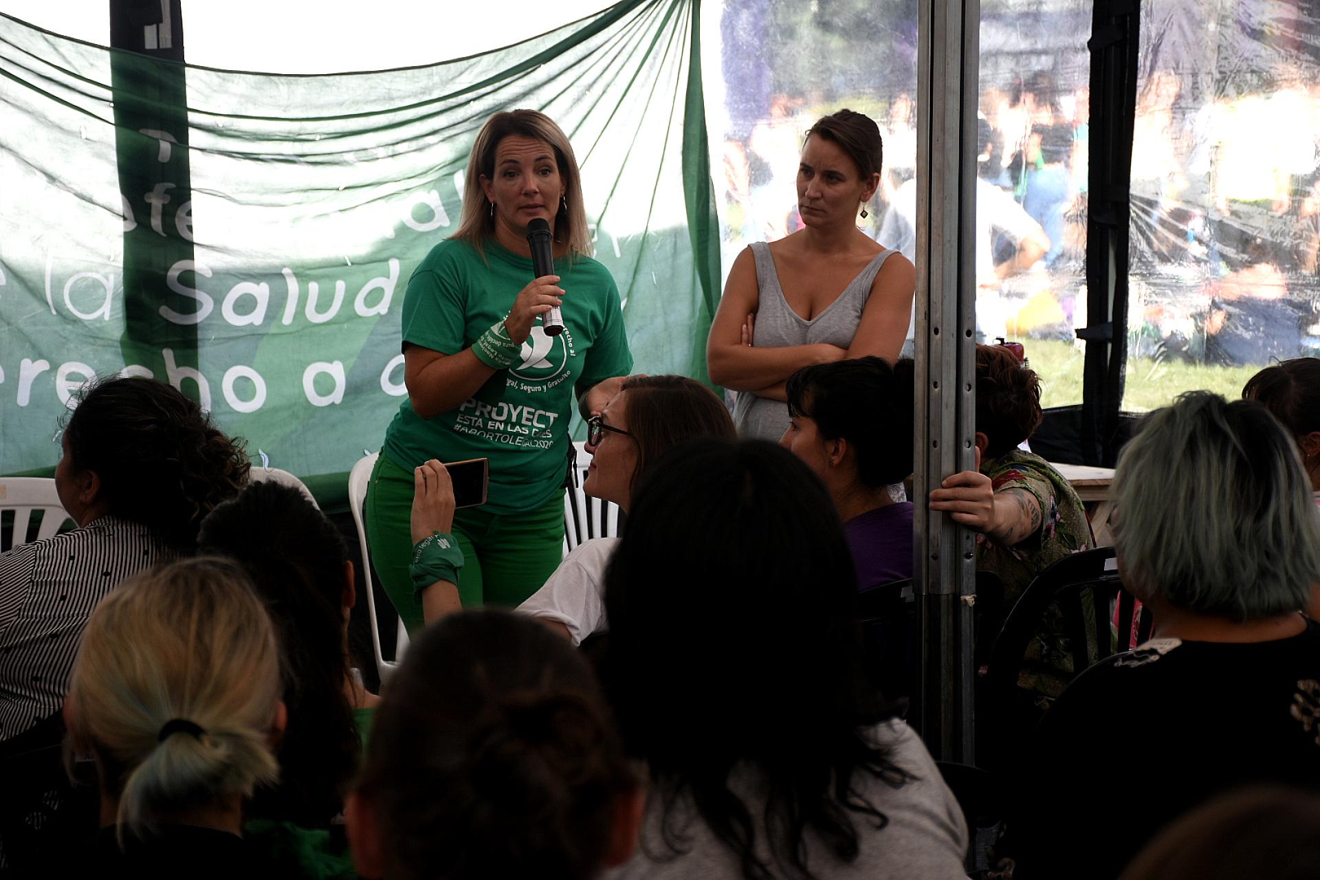 Durante la concentración hubo charlas que se brindaron en los alrededores del Congreso