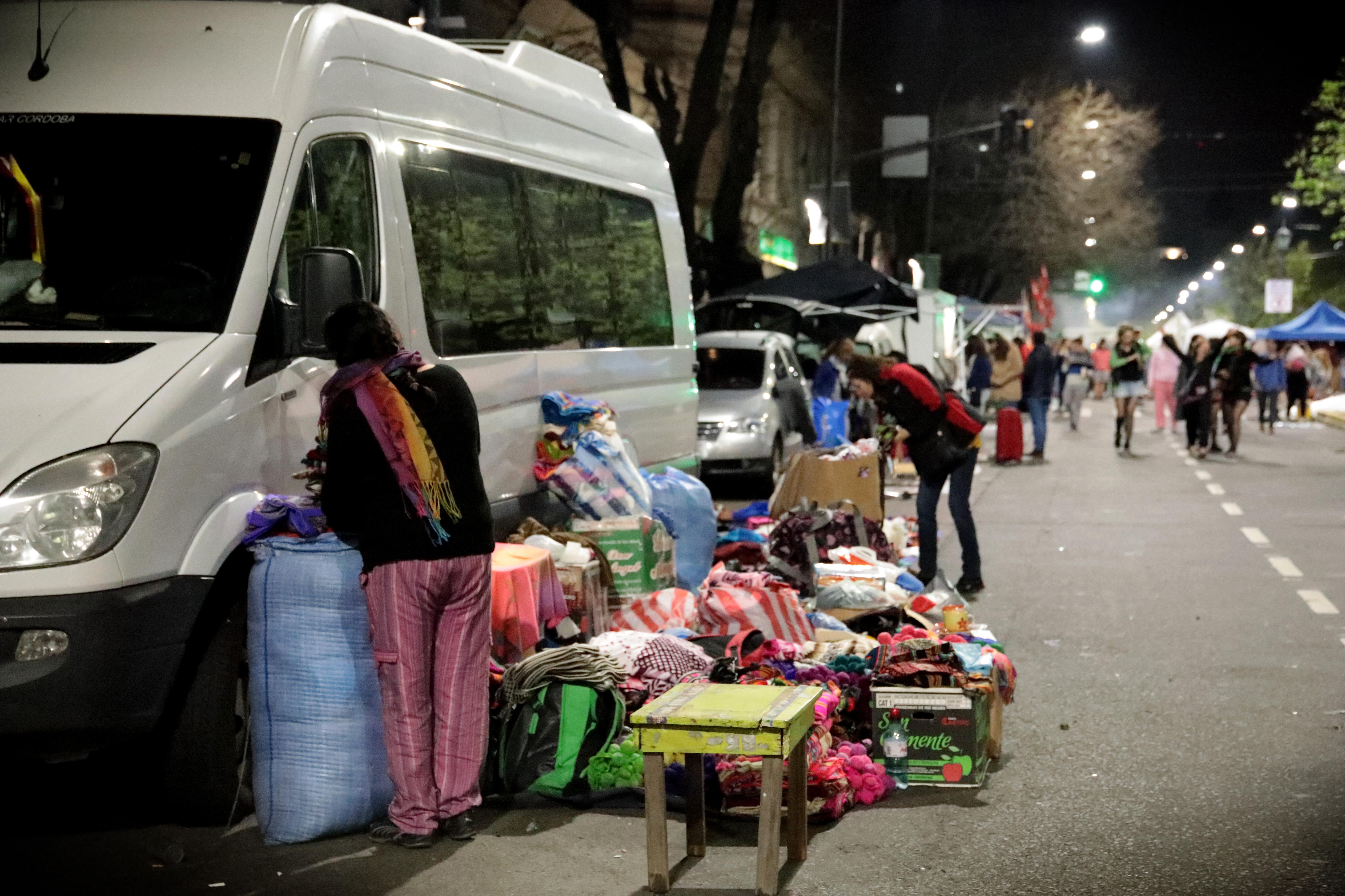 Durante estos dos días, muchas mujeres vendieron sus artesanías, hablaron en comisiones, e intercambiaron experiencias con otras mujeres