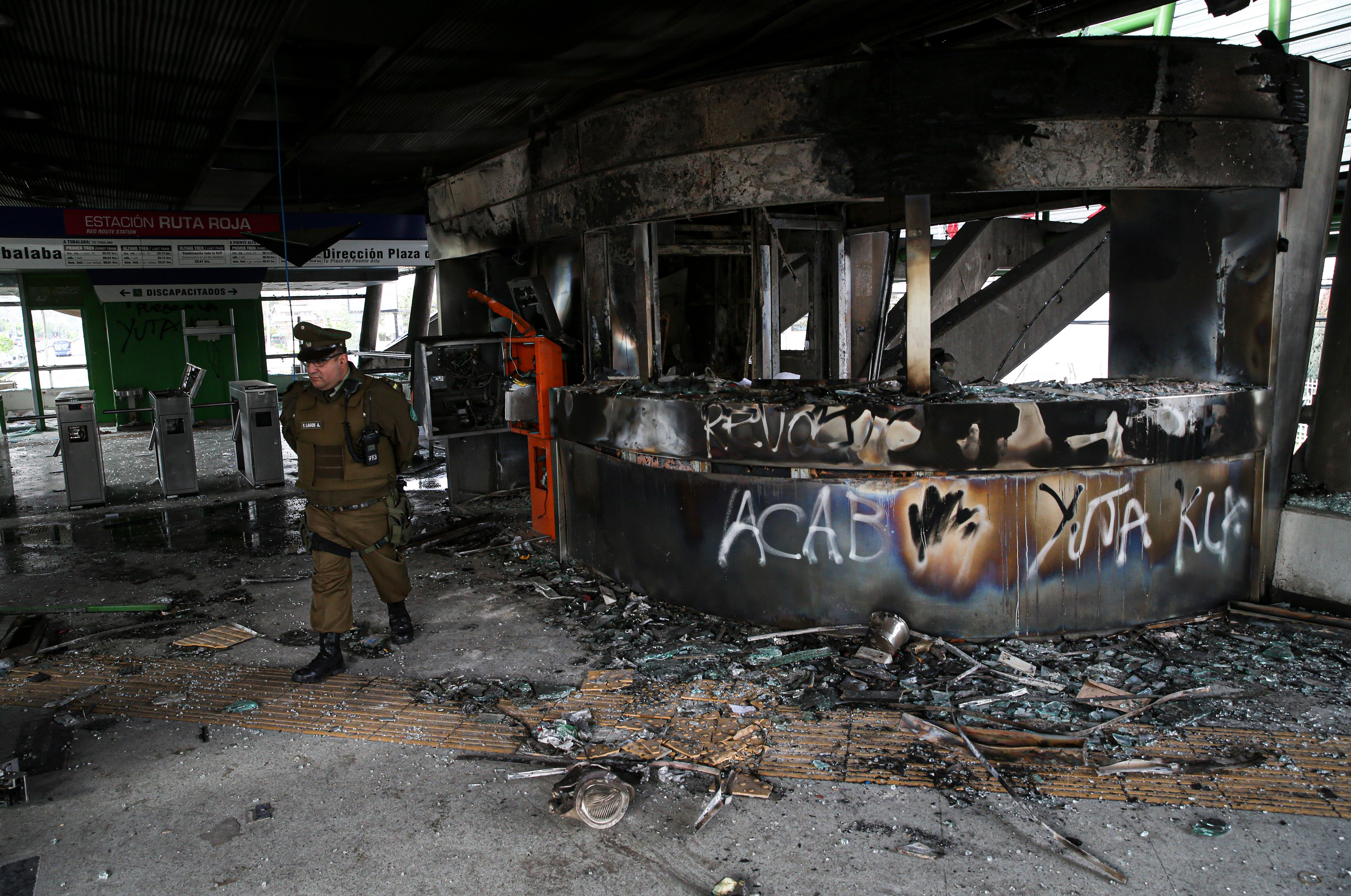 Varias instalaciones quedaron totalmente destrozadas tras los violentos disturbios