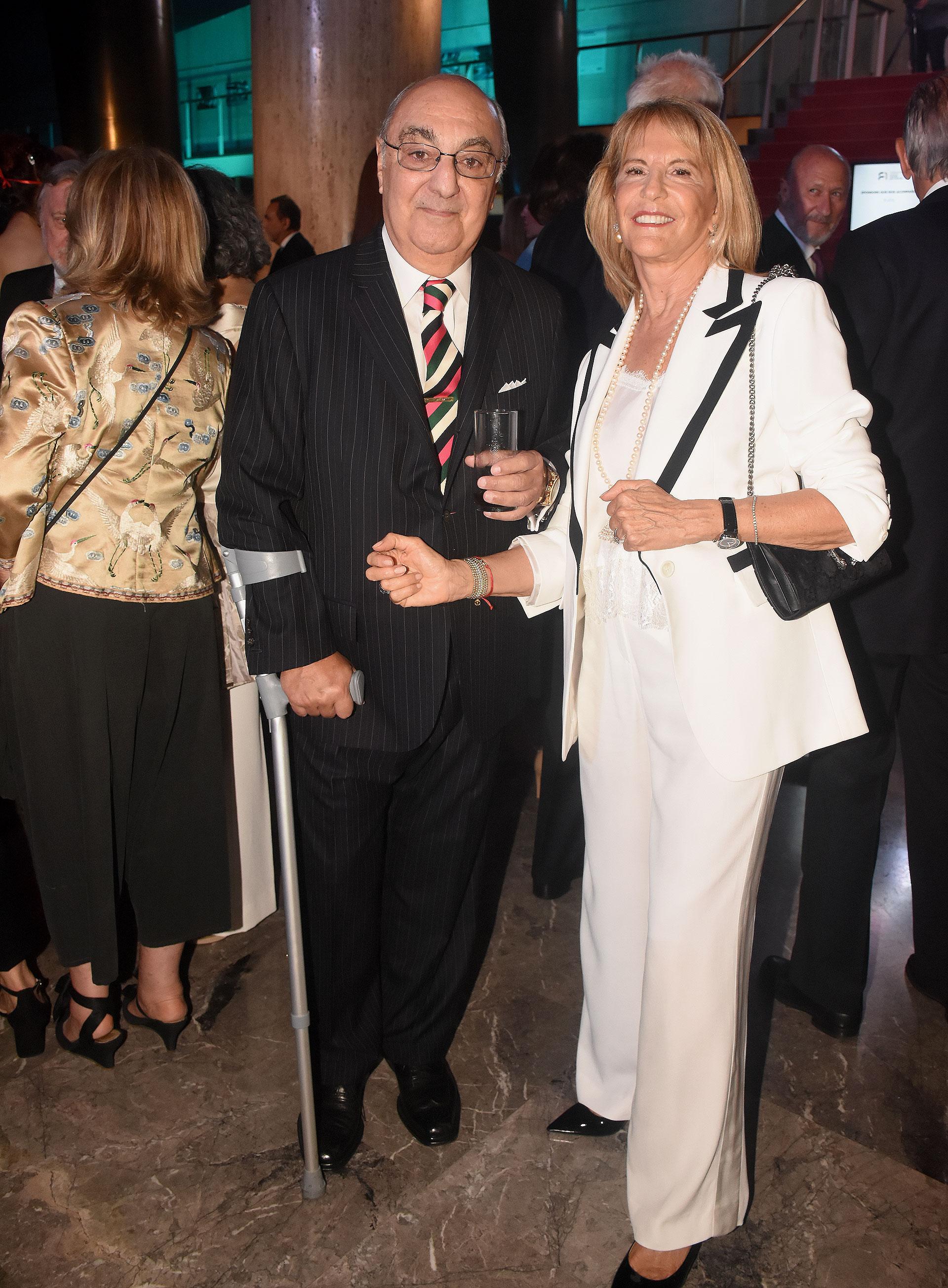 Jorge Aufiero, presidente de la Academia Nacional de Ciencias de la Empresa, y su mujer Mónica Balestrini de Aufiero