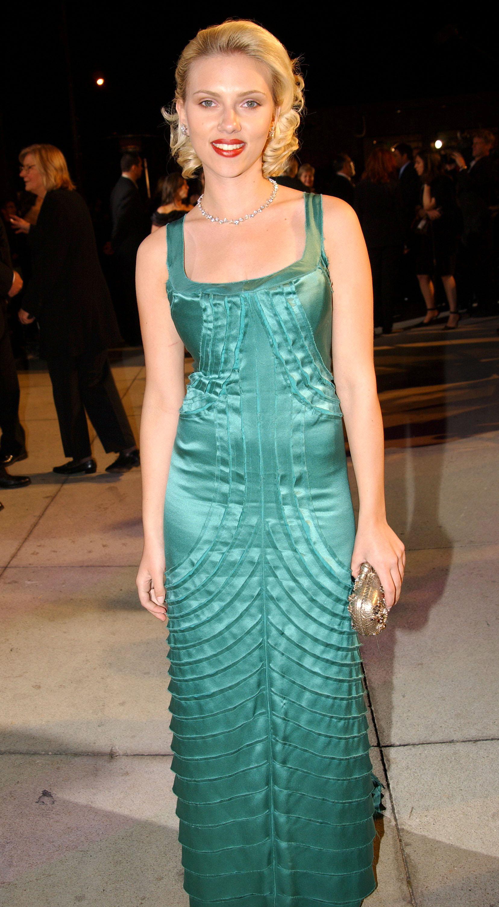 Scarlett Johansson en los premios Oscar de 2004. Este año logró una doble nominación: a mejor actriz de reparto por