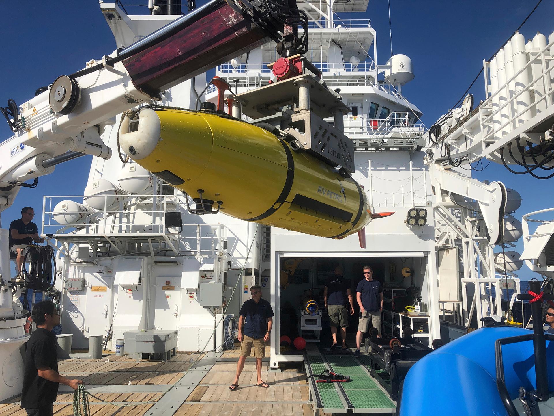 Un minisubmarino autónomo utilizado en la búsqueda (AP /Caleb Jones)