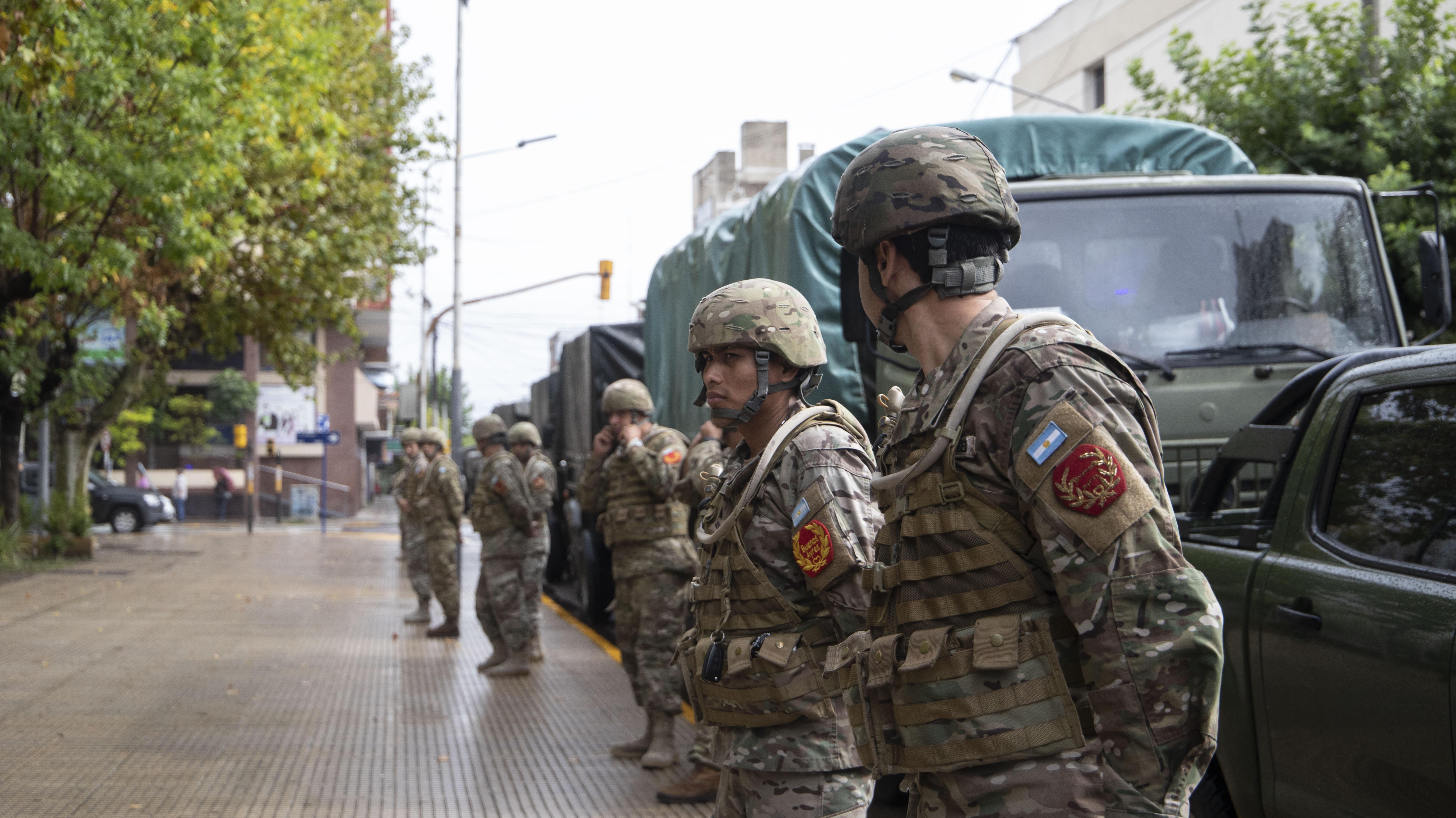Los soldados del Ejército se desplegaron por diferentes puntos de La Matanza