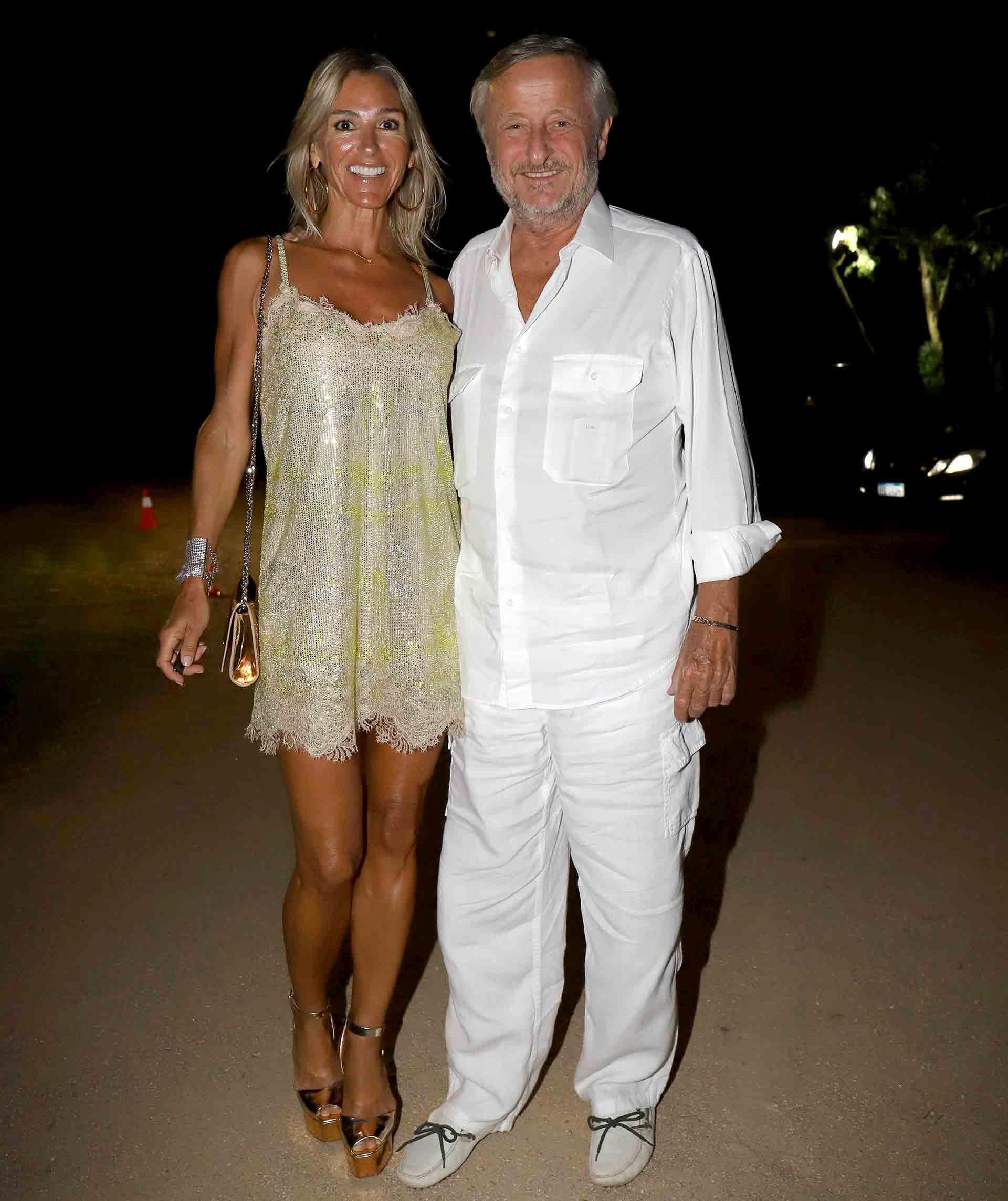 Gabriela Castellani y Cristiano Rattazzi a su llegada a la gran fiesta de Giuseppe Cipriani en Punta del Este