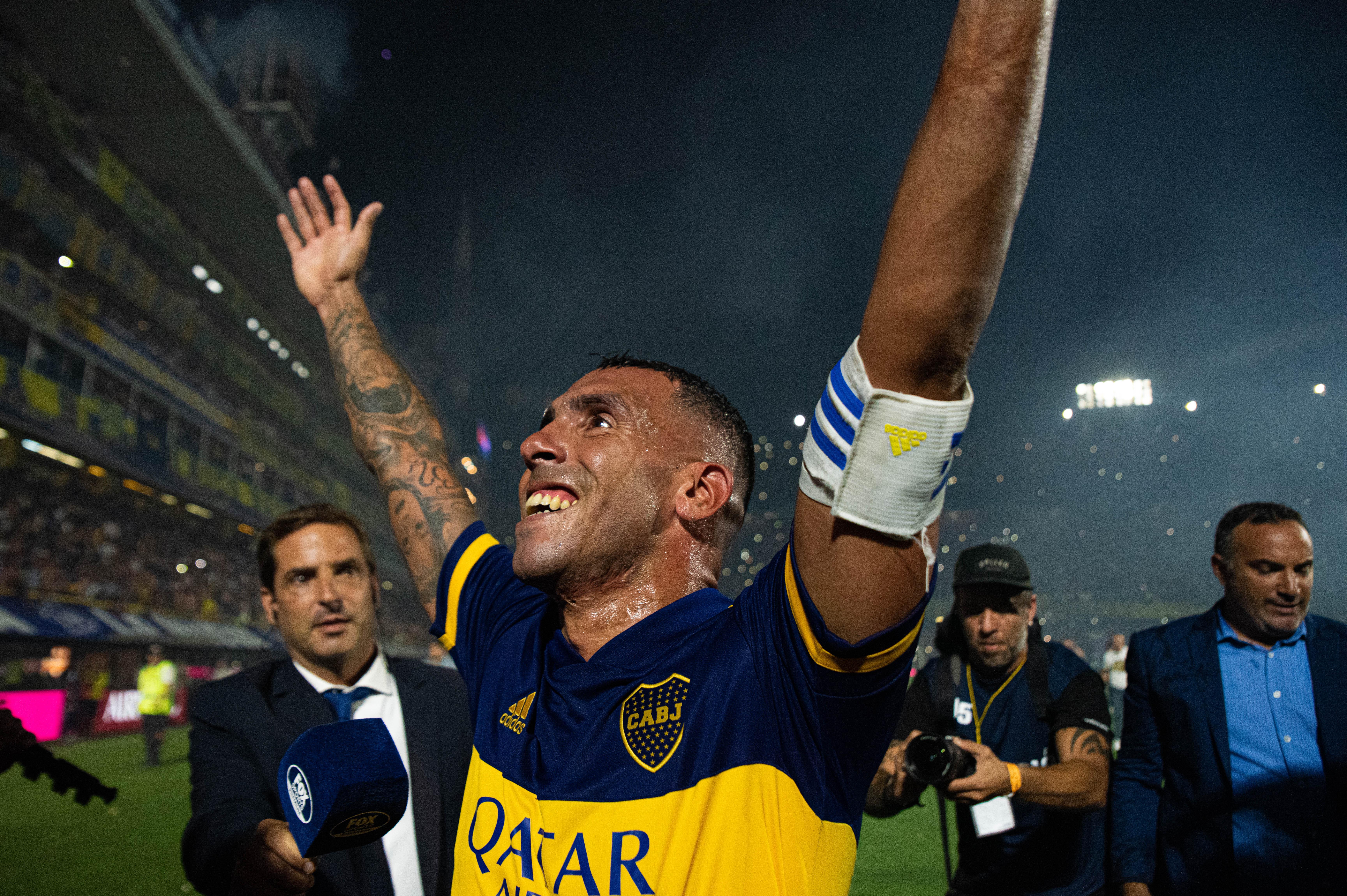 Tevez, el capitán que se puso la 10 para ser campeón (Franco Fafasuli)