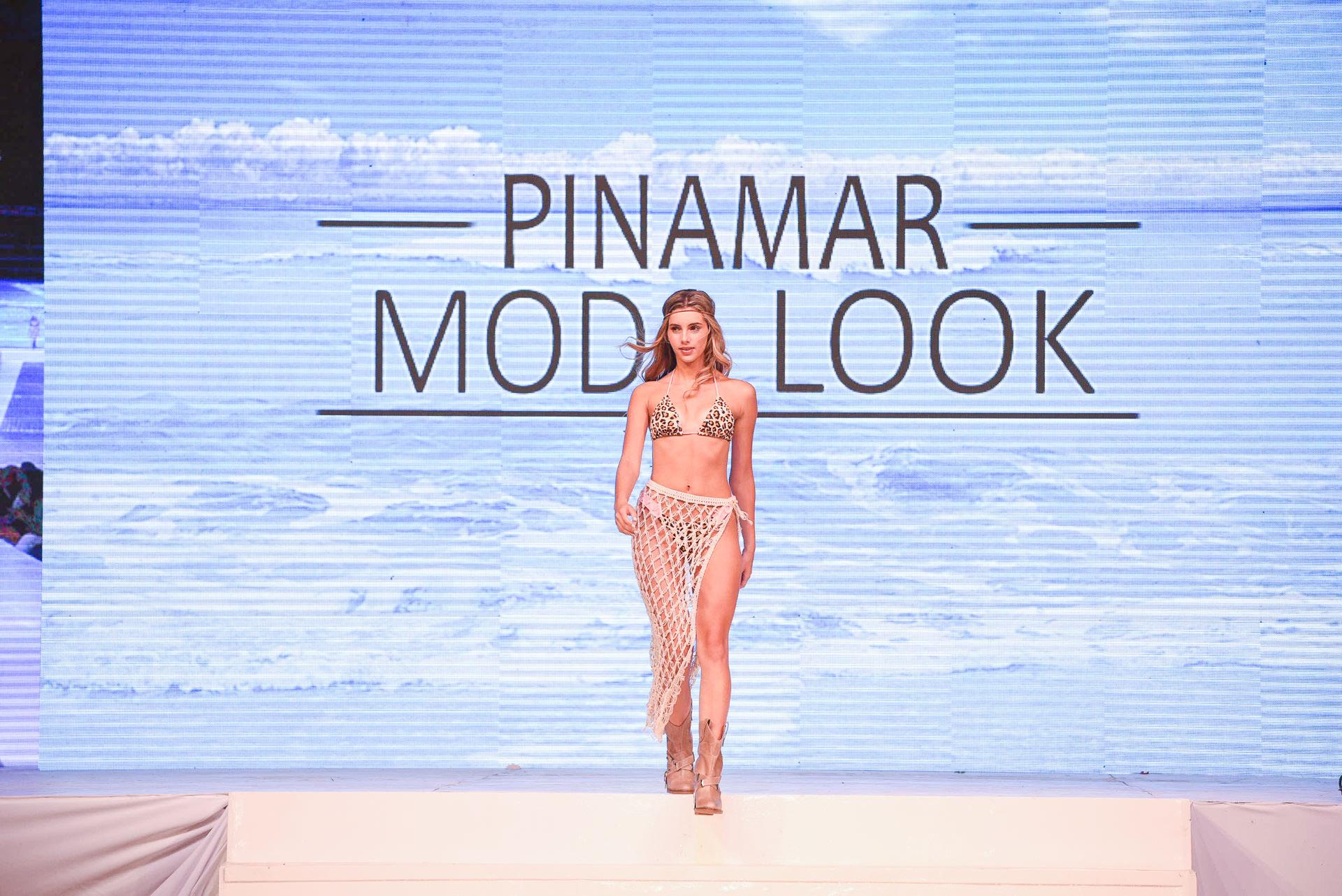 Las bikinis confeccionadas con tejidos brillantes, bordados con lentejuelas engomados y con distinguidos detalles tales como cadenas y tiras transparentes, fueron sin dudas las estrellas de la pasadas
