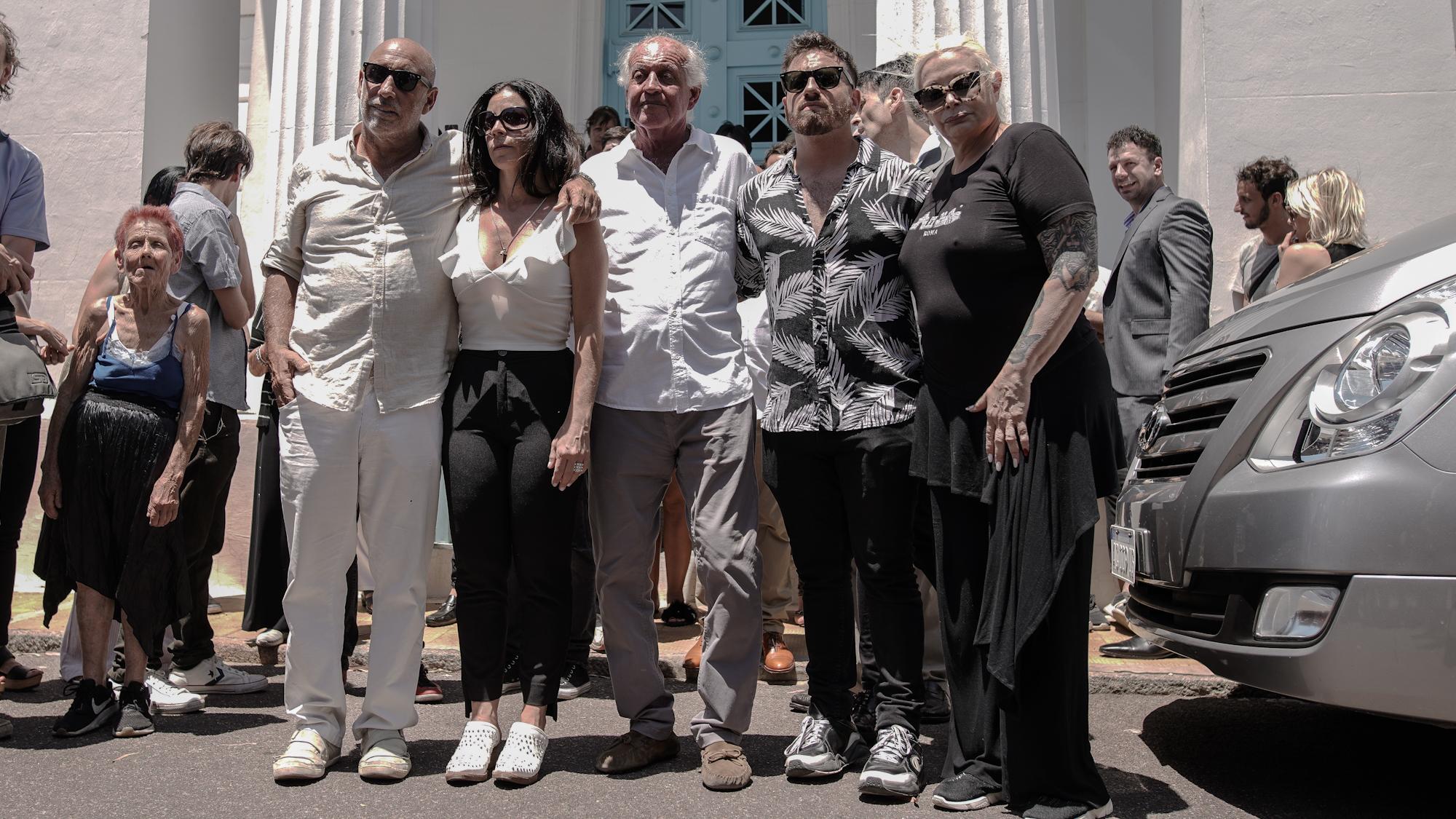 Mariano, Julieta, Coco, Fede y Carmen Barbieri