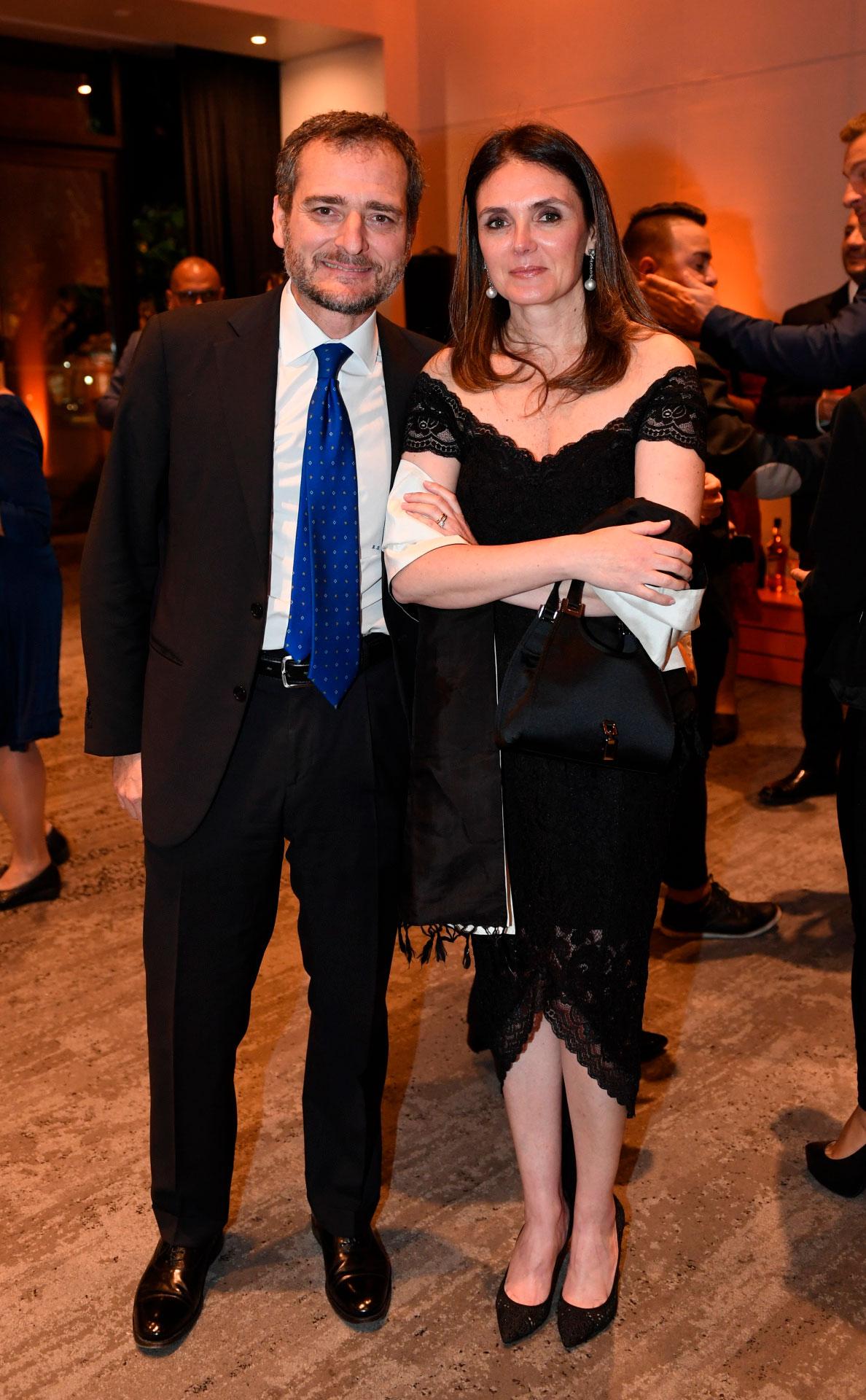 El cónsul Riccardo Smimmo y su mujer Marina
