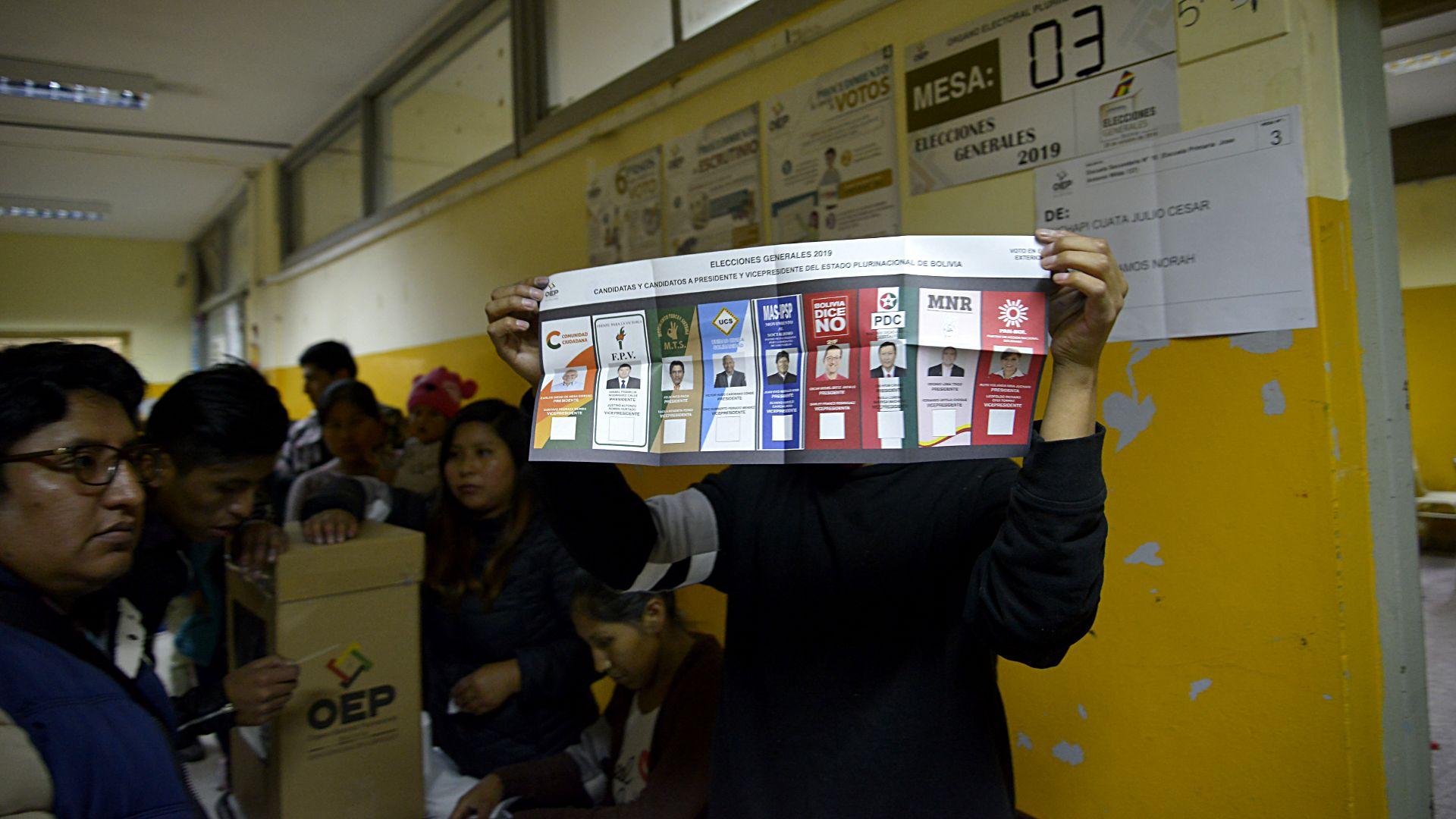En total, más de 7 millones de ciudadanos -en Bolivia y en el exterior- estaban habilitados para votar