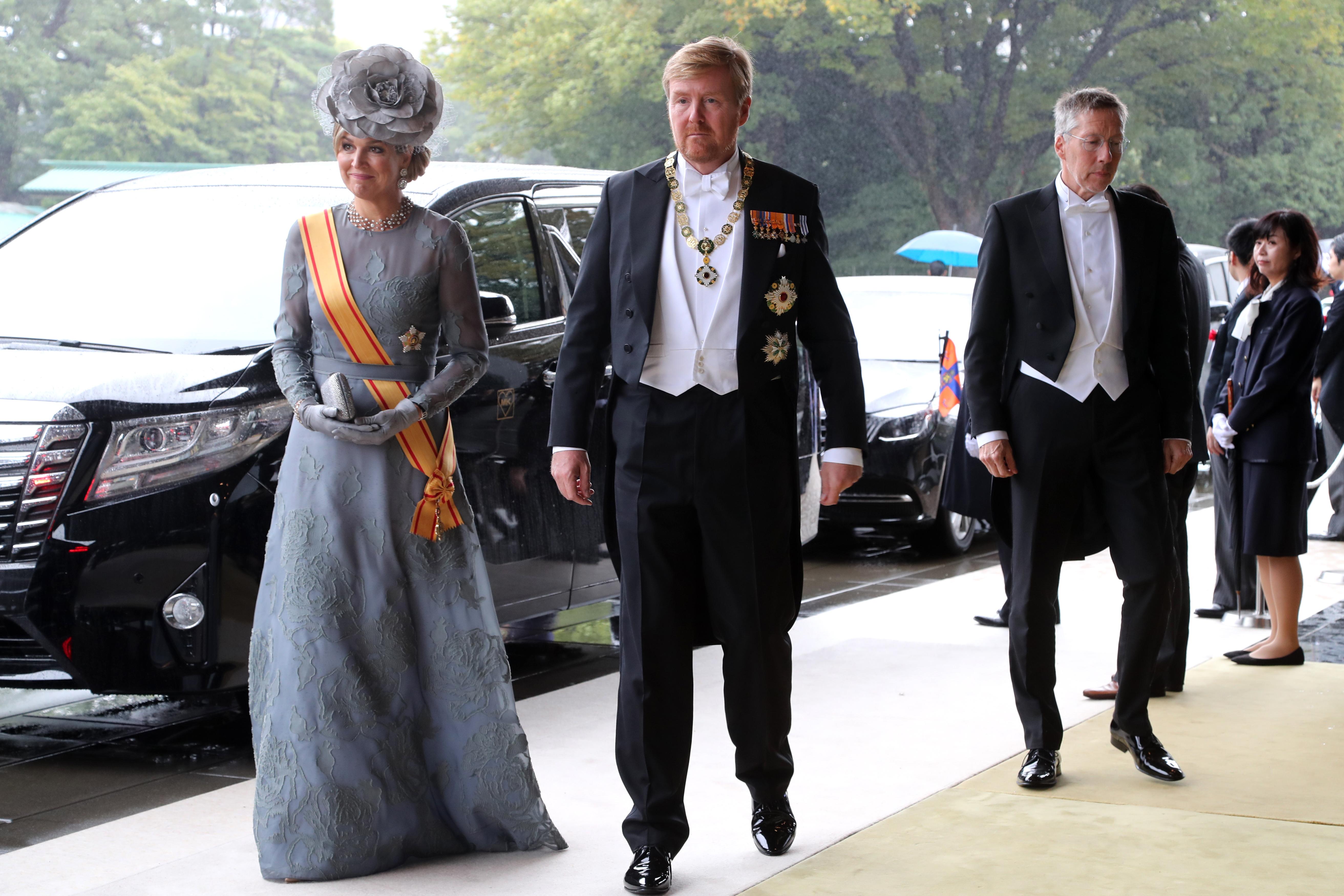 El rey de Holanda Willem-Alexander y la reina Máxima llegan al Palacio Imperial (AFP)