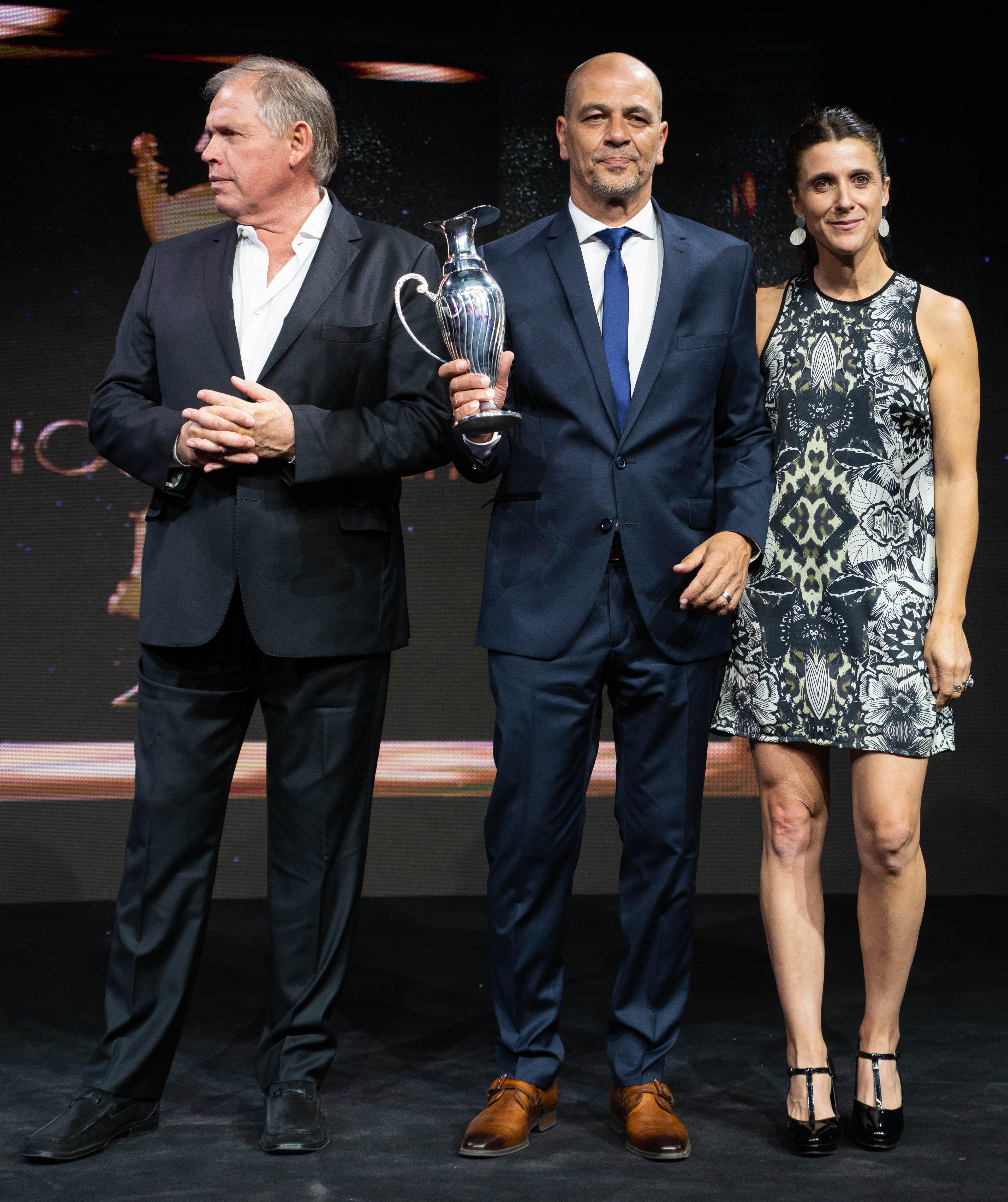 Gerardo Werthein (presidente del Comité Olímpico Argentino), Sergio Hernández (entrenador de la selección de básquet) e Inés Arrondo (secretaria de Deportes de la Nación).