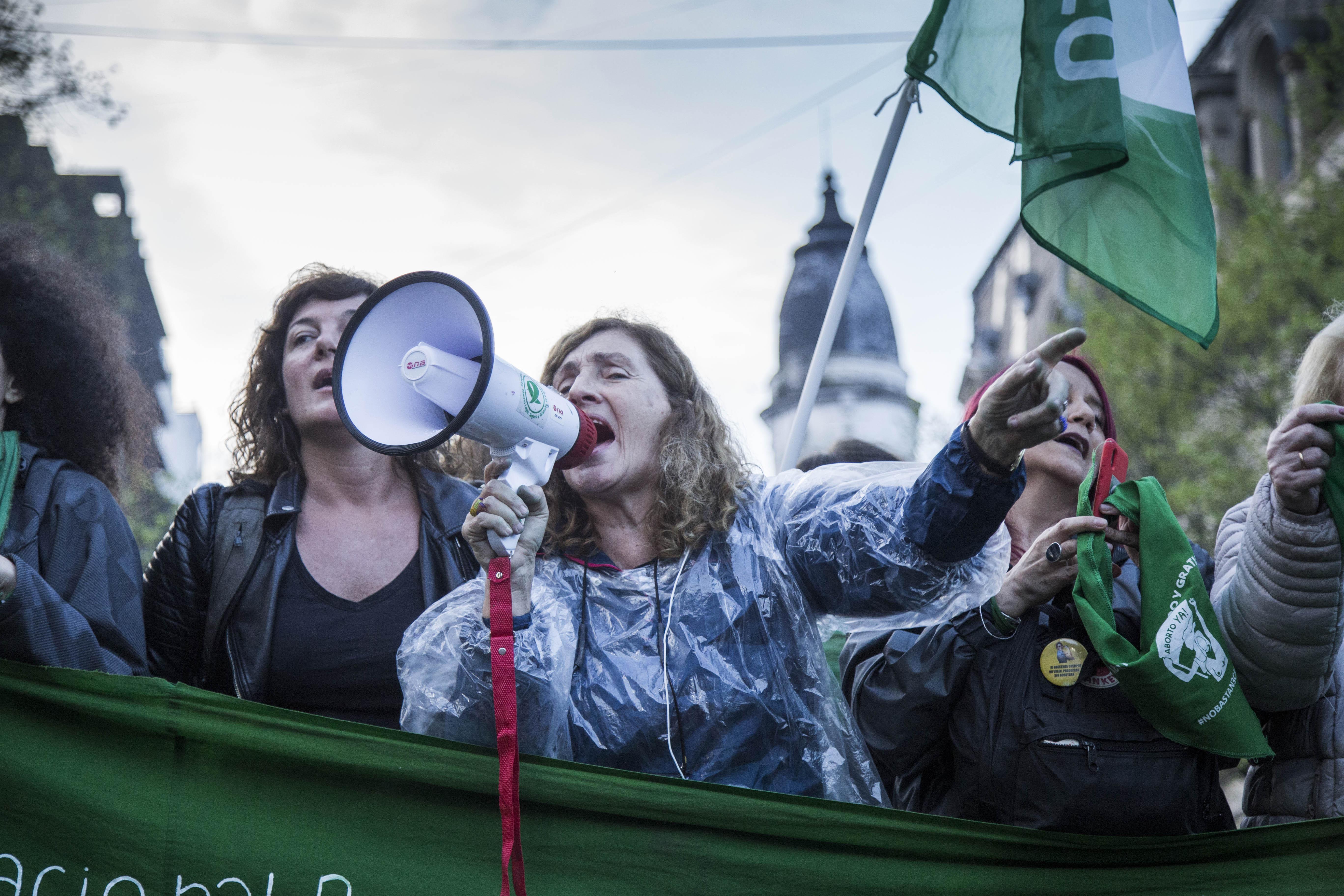 La Plata se vio desbordada y copada por los feminismos: emoción y un cierre con una marcha multitudinaria