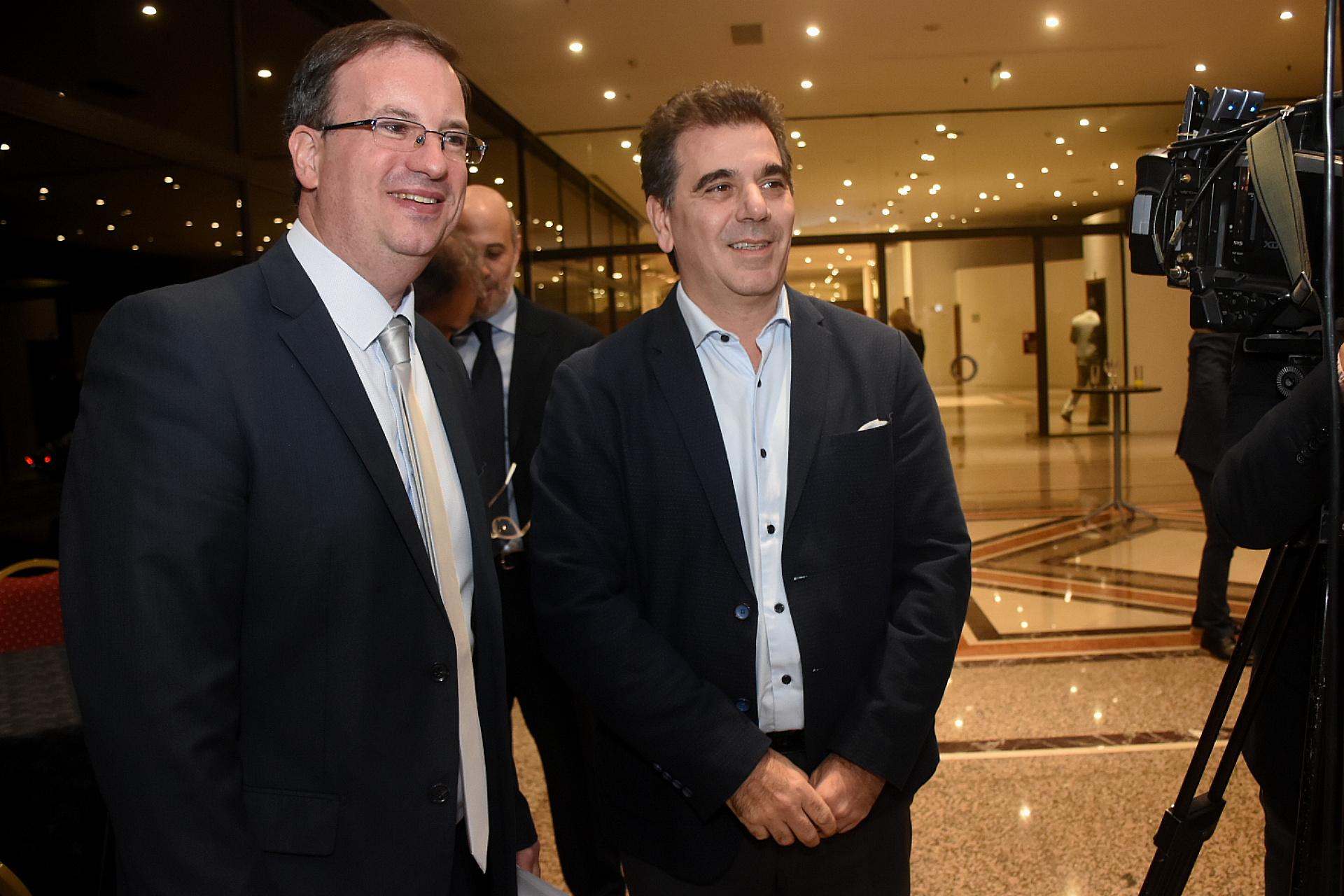 Andrés D'Alessandro, director ejecutivo de Adepa, junto al diputado nacional de Cambiemos Cristian Ritondo