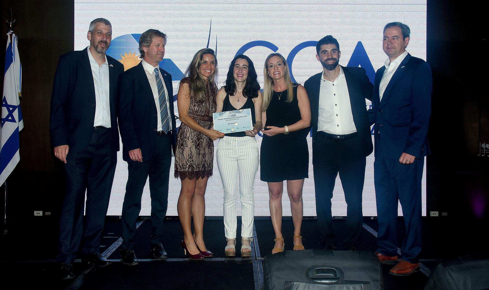 Durante el evento se entregaron los Israel Innovation Awards 2019. En la foto, la ganadora Damaris Reynoso de la empresa Novachem