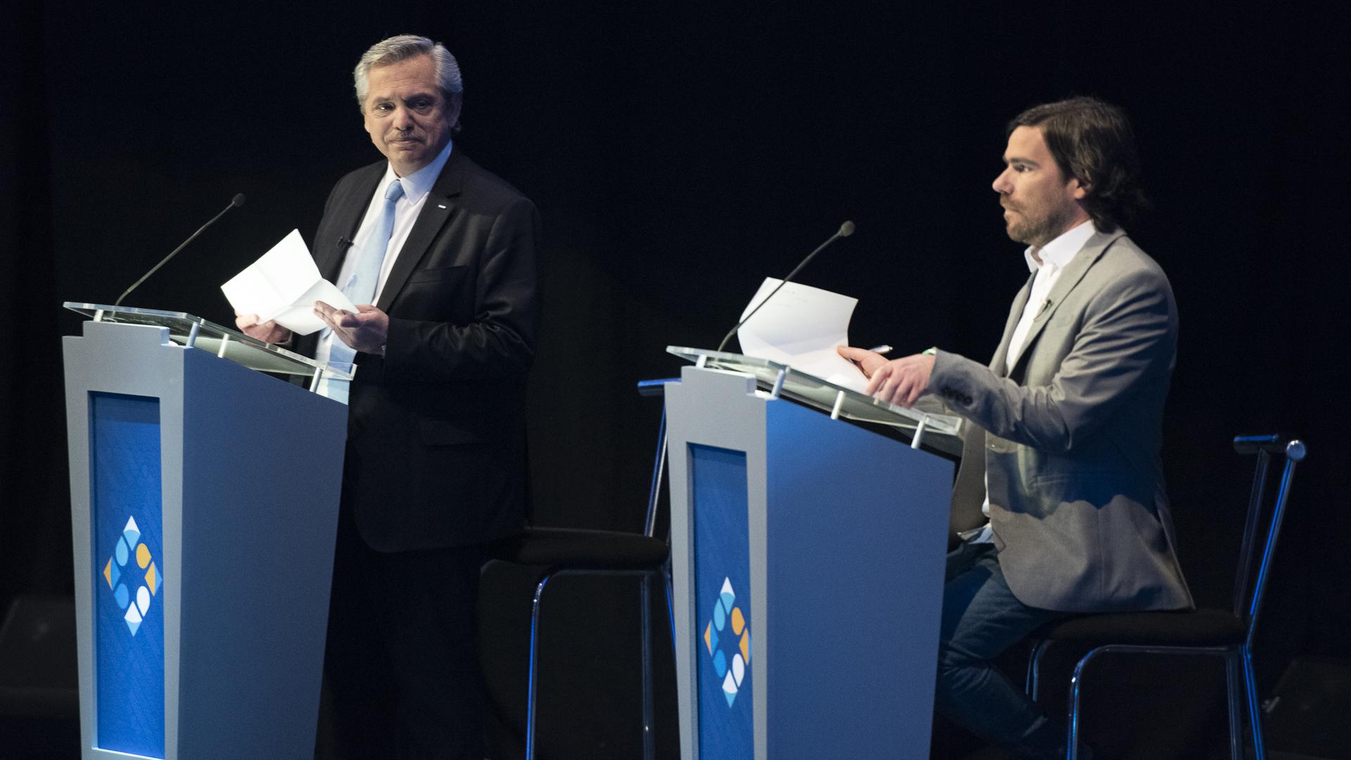 Alberto Fernández y Nicolás del Caño durante uno de los bloques del debate
