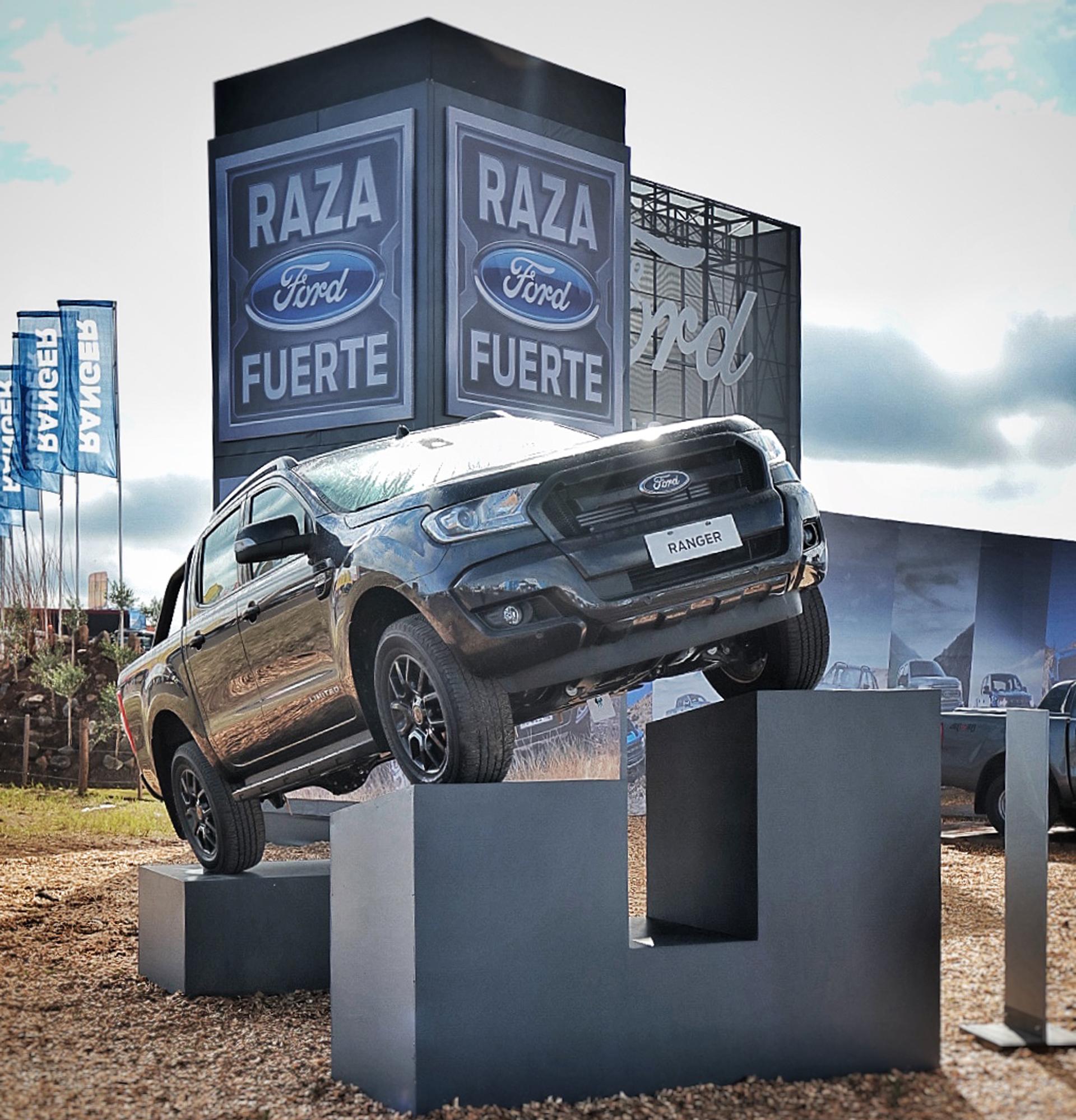 """El espacio cuenta con atención al público, servicio de postventa, información comercial y una pista de pruebas off-road en la que se pueden testear los vehículos exponentes de la """"Raza Fuerte"""""""