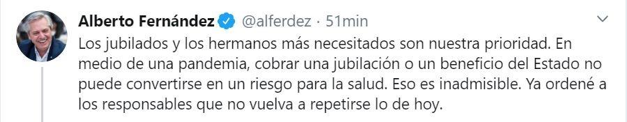 El primero de los mensajes que escribió Alberto Fernández tras los problemas del viernes con los jubilados.