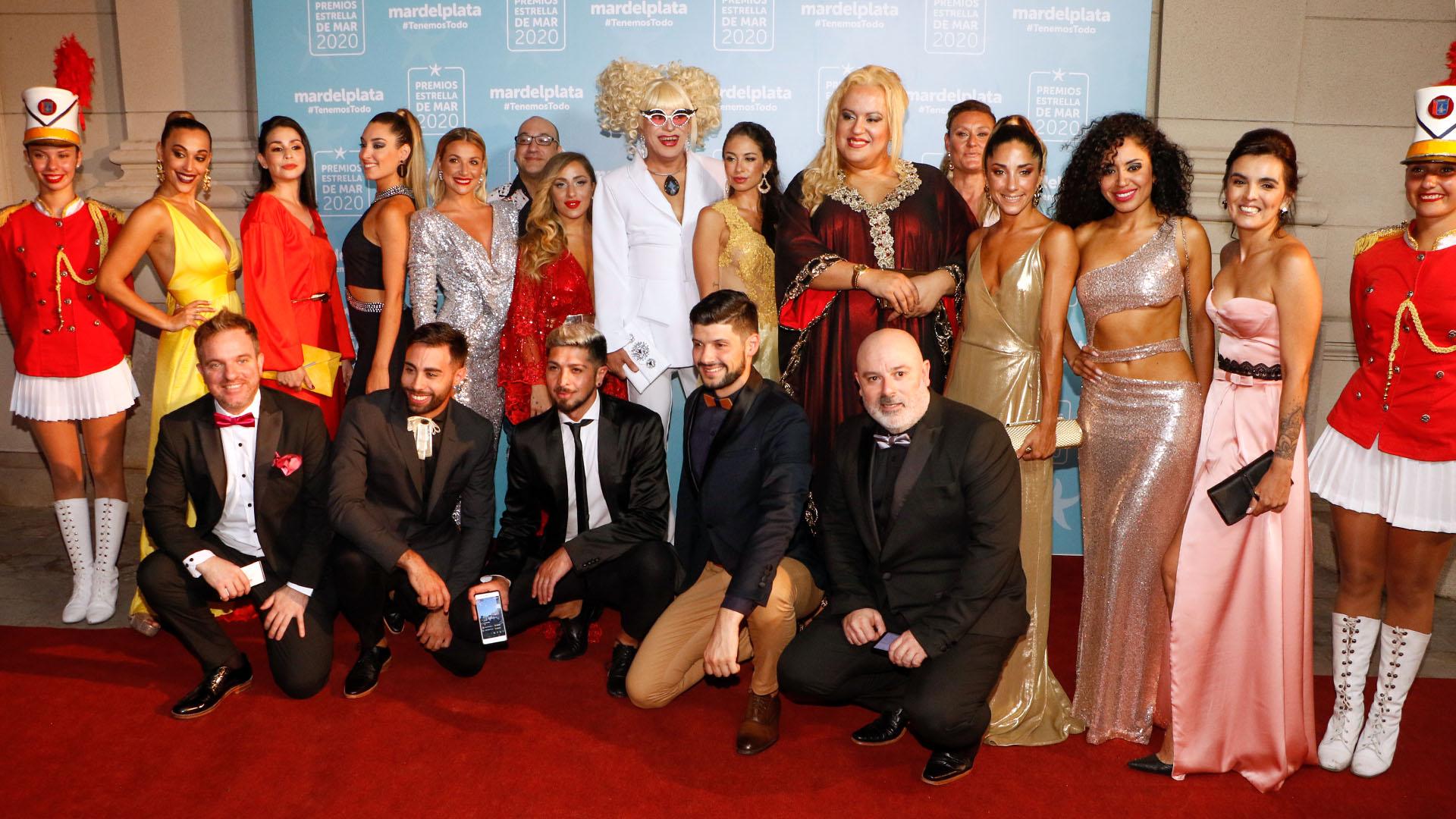 Mariquena del Prado y el elenco de