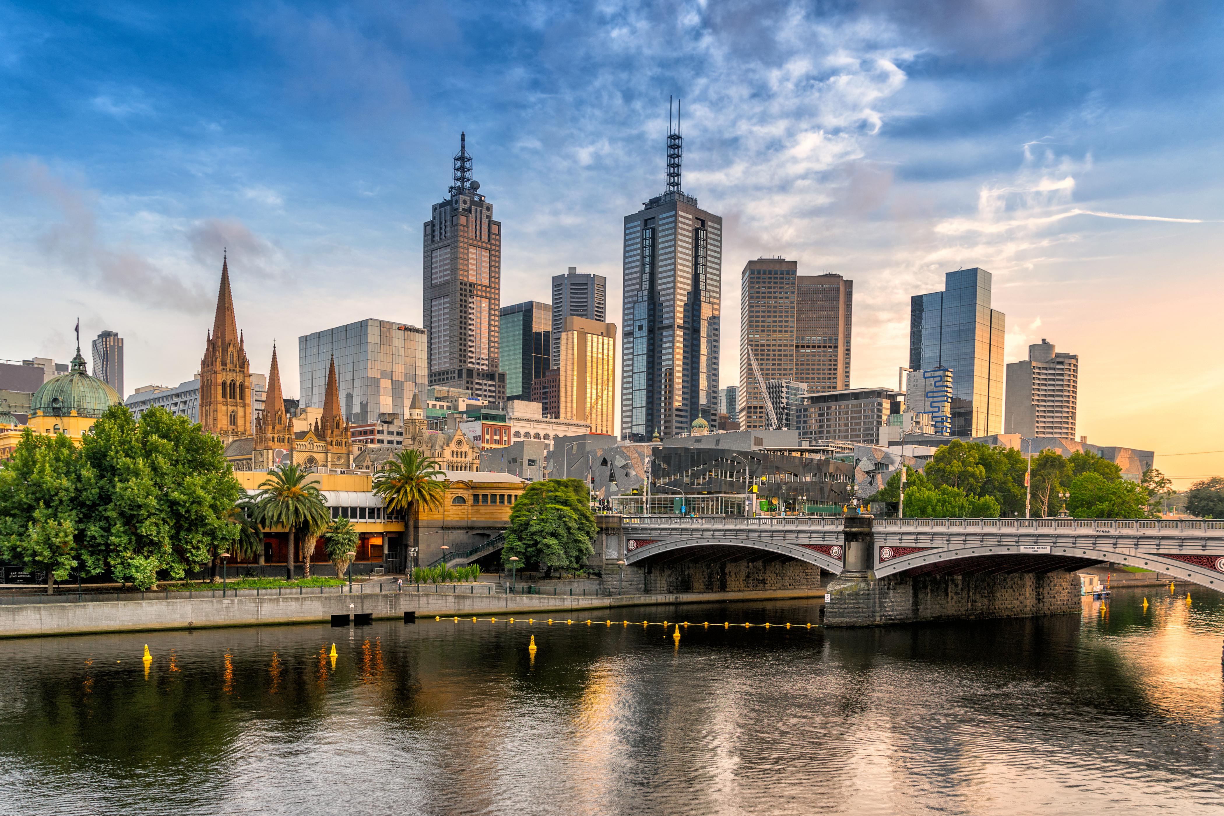 Melbourne es conocida por sus playas y su alto costo de vida. En 2019, también fue clasificada como la cuarta ciudad más cara del mundo para vivir. Este año, el puntaje general de la ciudad australiana se redujo en 0.2 puntos a 9.5 (Shutterstock)