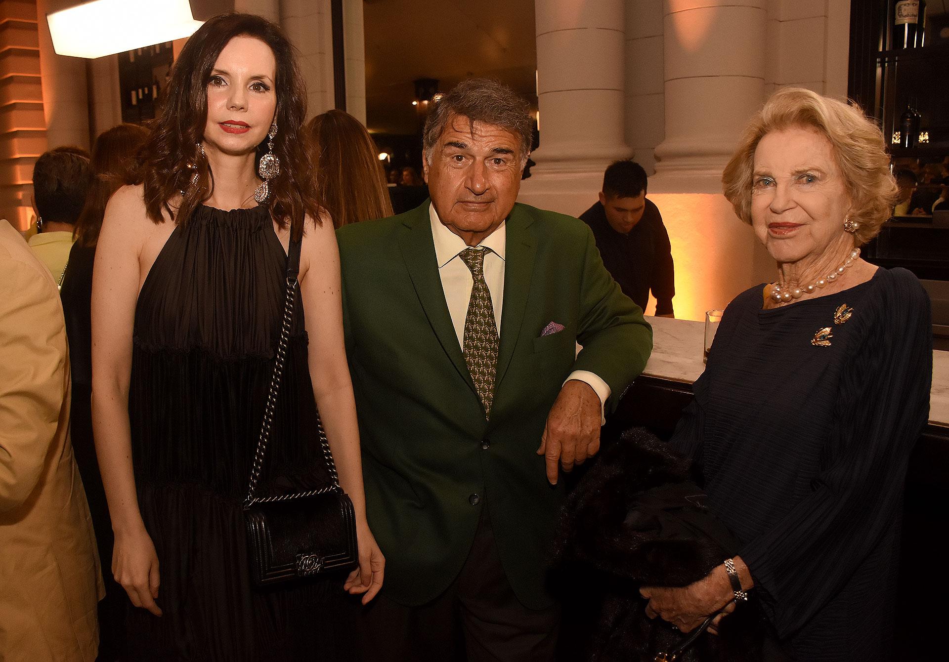 Marina Achaval, Jorge Vartparonian y Elizabeth Gurmendi