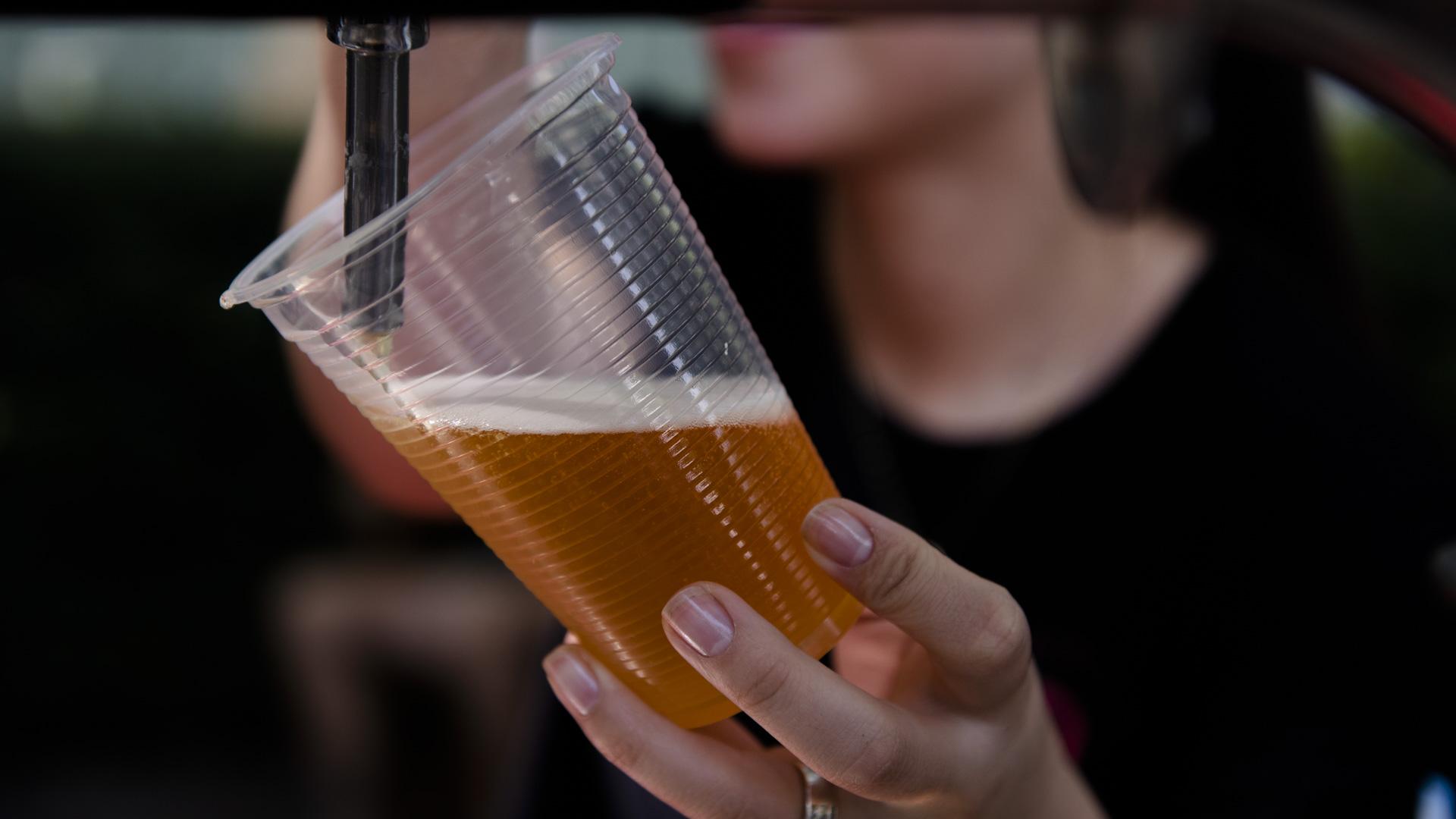 Quienes quieran cerveza también pueden acompañar sus comidas con las pintas de Rabieta. Ofrecen American Ipa, Golden, Irish Red o Red Honey