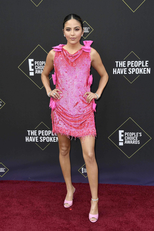 Erin Lim llega para la 45ª edición anual de E! Premios People's Choice en el Barker Hangar en Santa Mónica, California