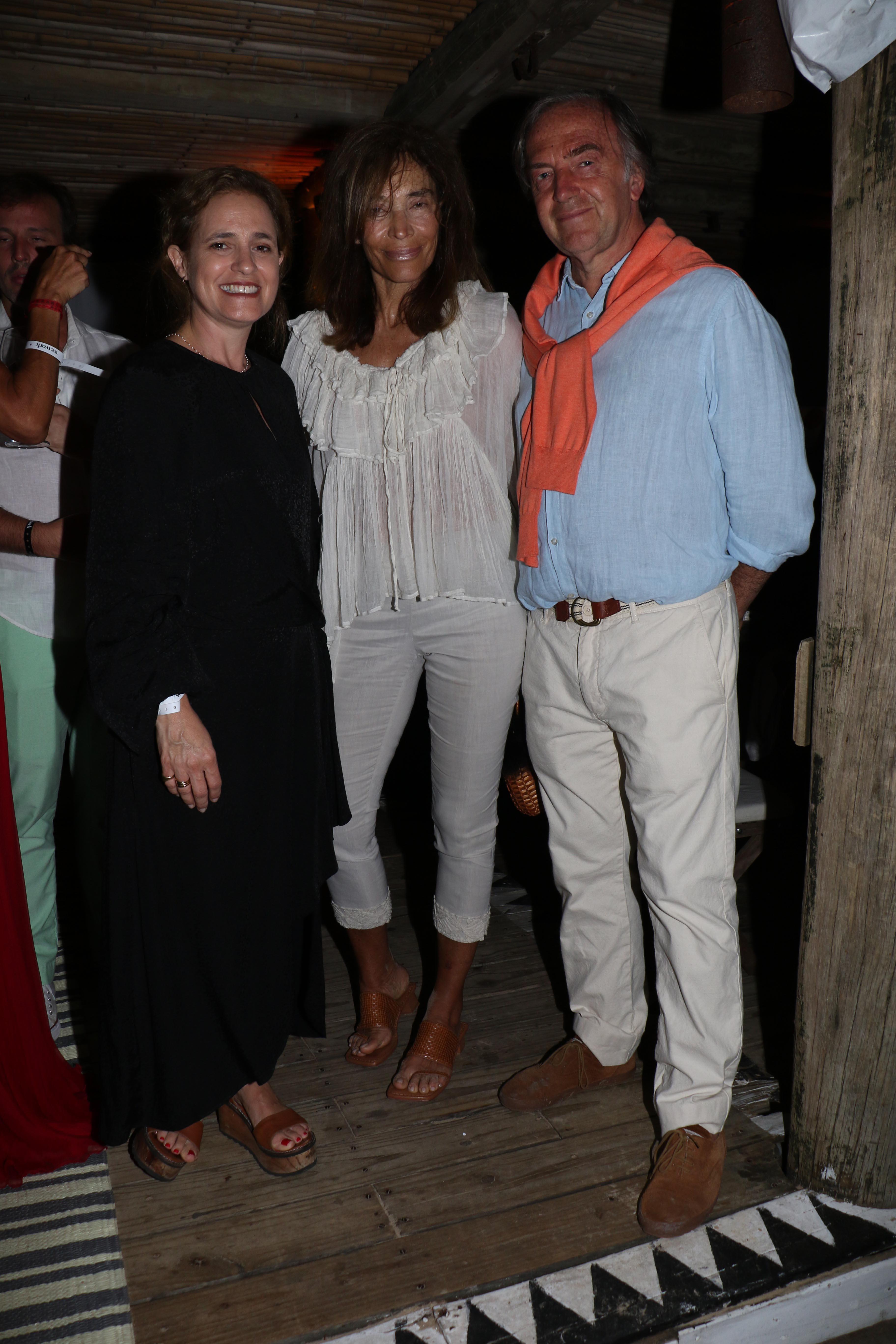 Silvina Pueyrredon junto a Estela y Roberto Zaldivar