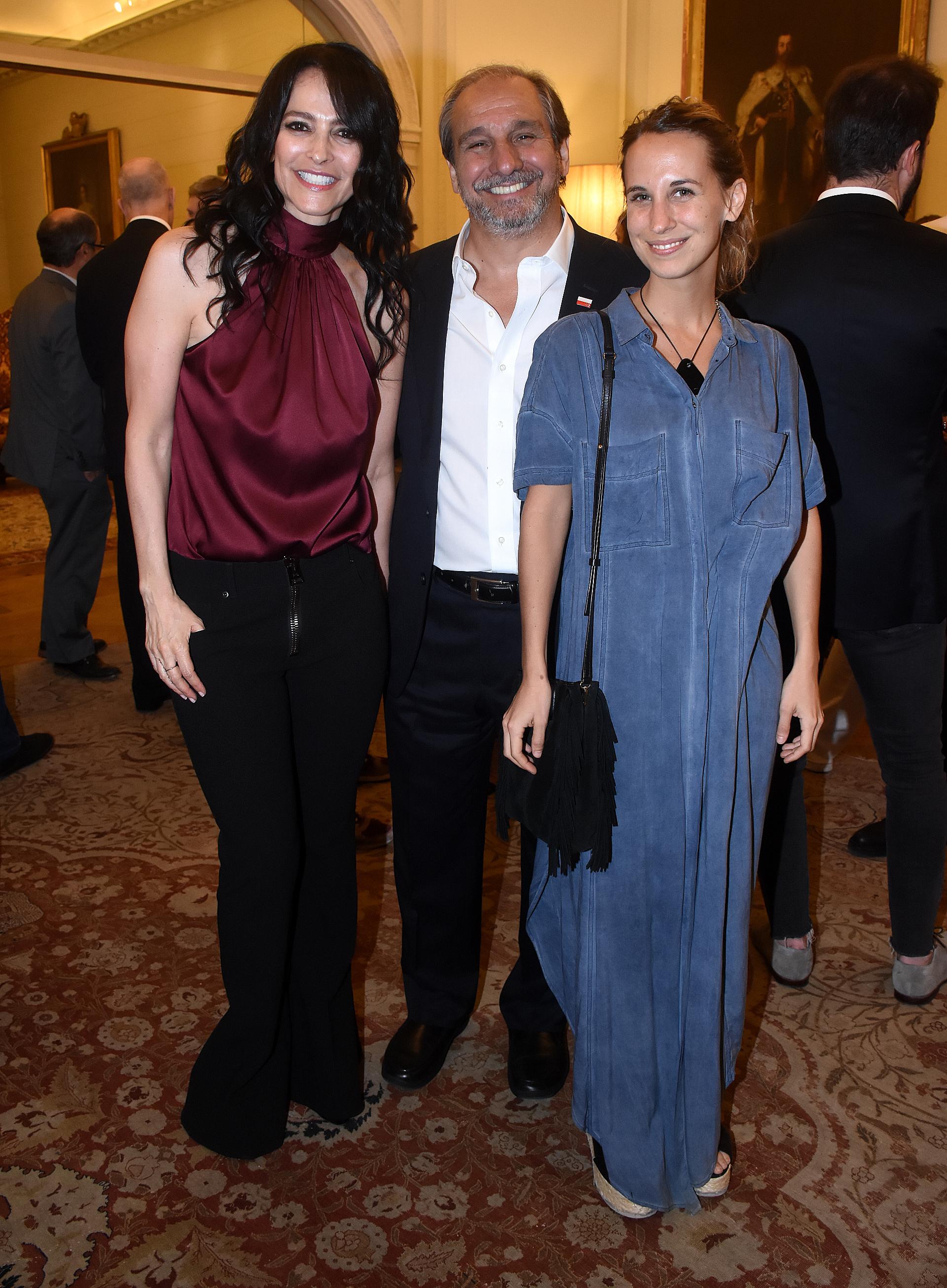 Cindy Teperman junto a Nicolás Caputo y su hija Marina