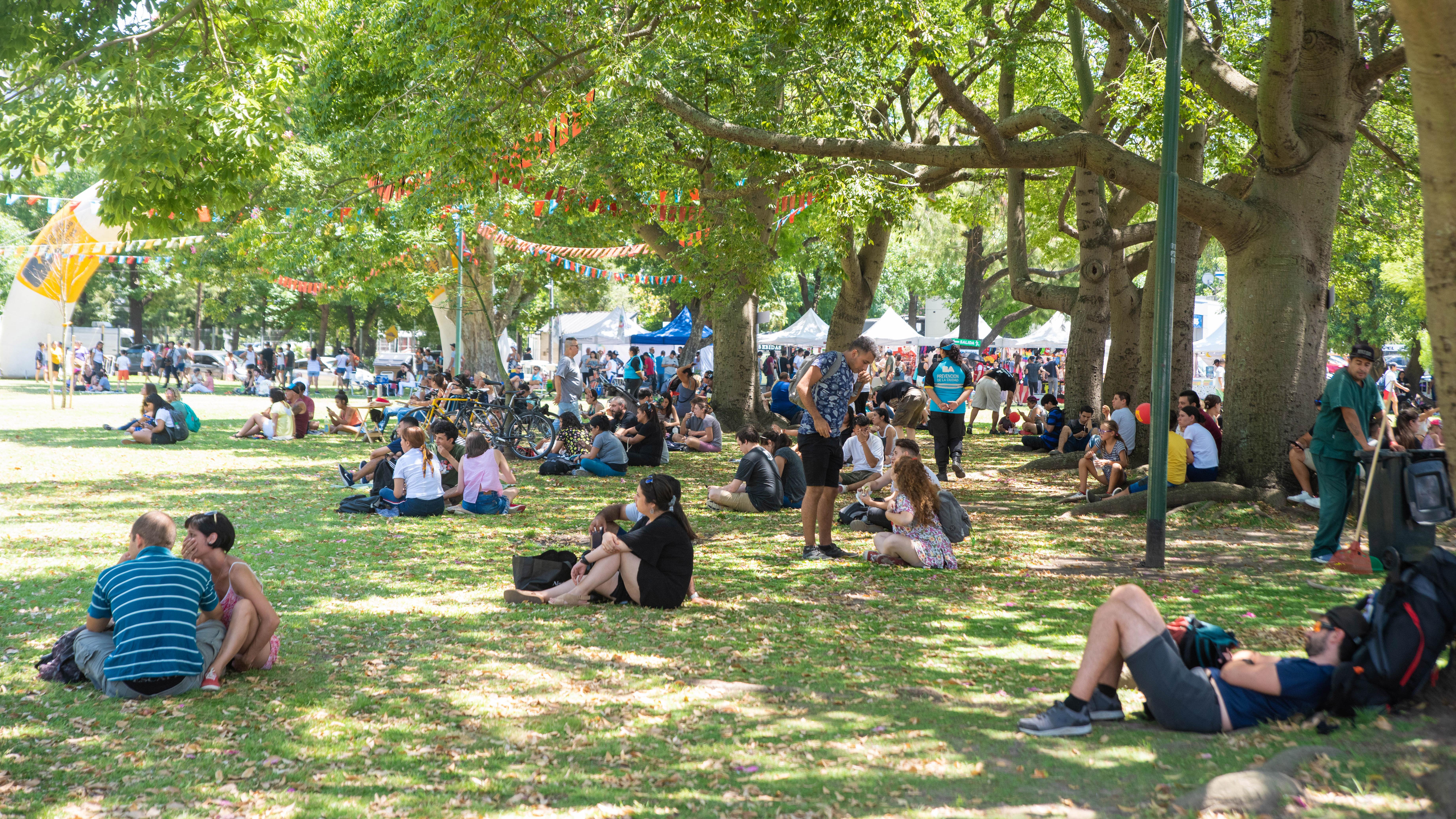 Cientos de personas disfrutaron de esta fiesta al aire libre.