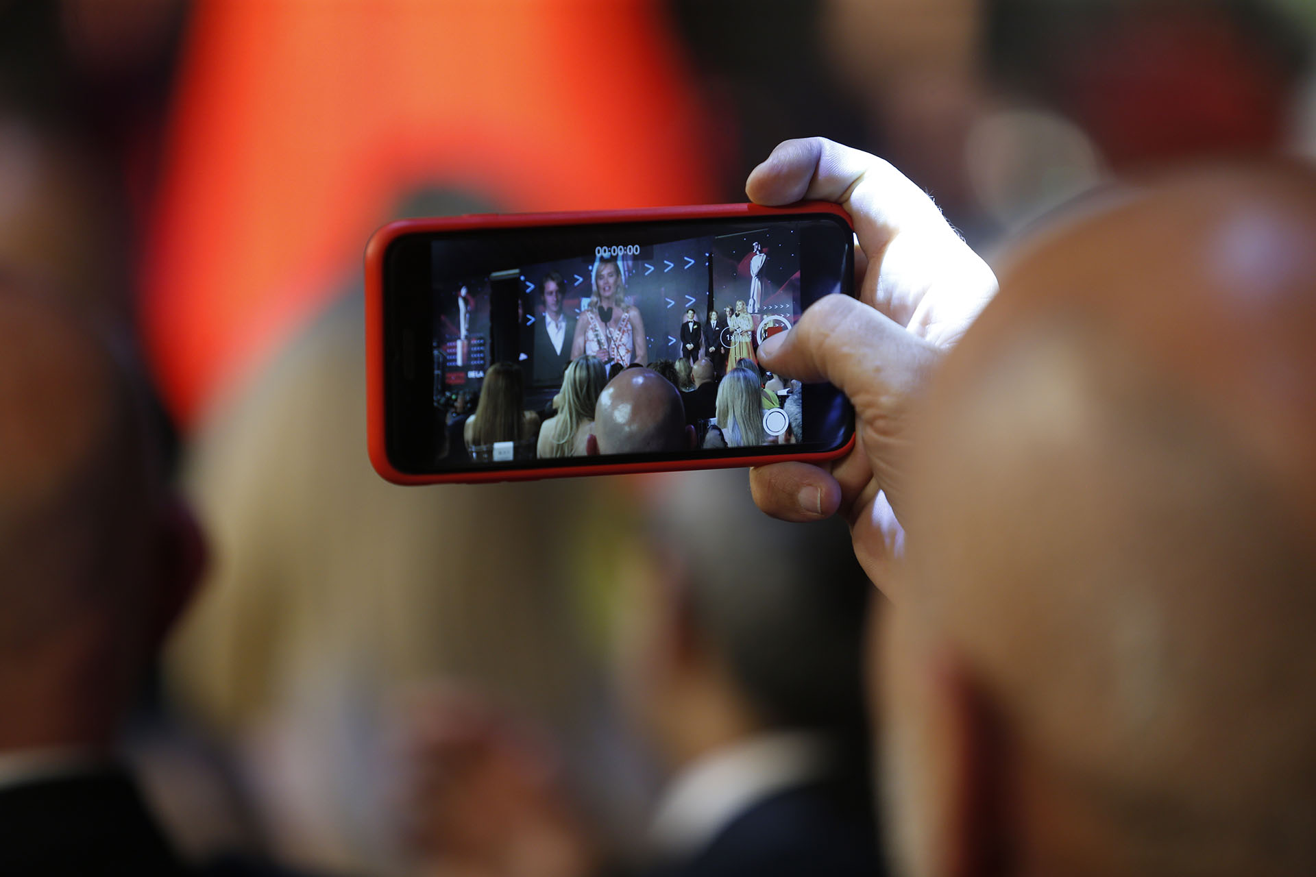 Las fotos, los chats, los videos y las selifes fueron también los protagonistas de la noche