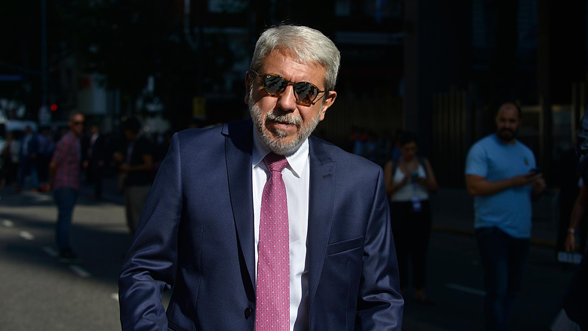 Aníbal Fernández llega al Congreso
