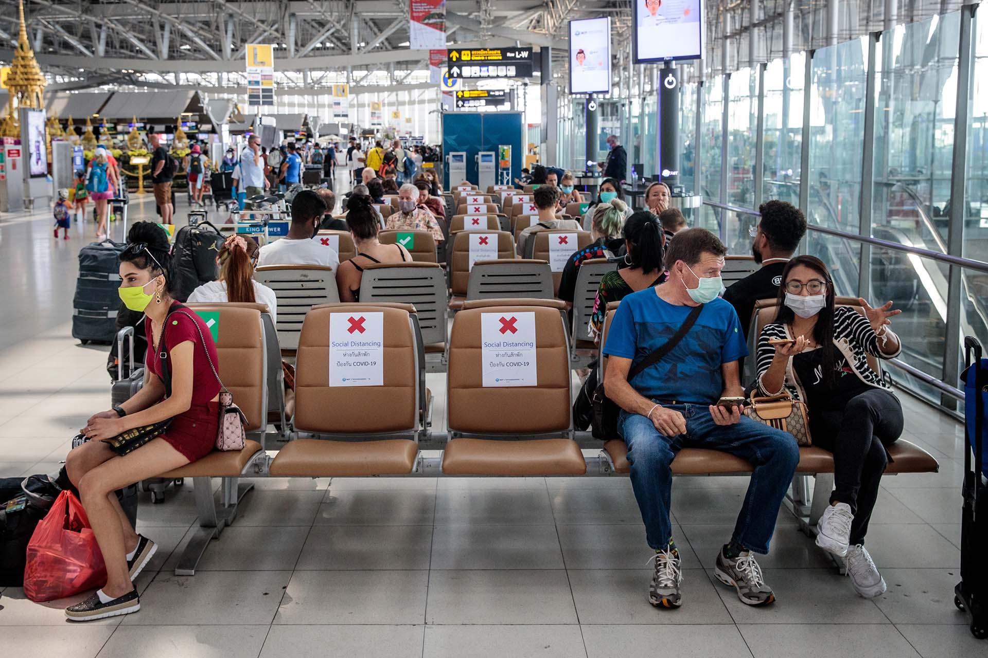 Una zona de espera en el Aeropuerto de Bangkok, Tailandia.